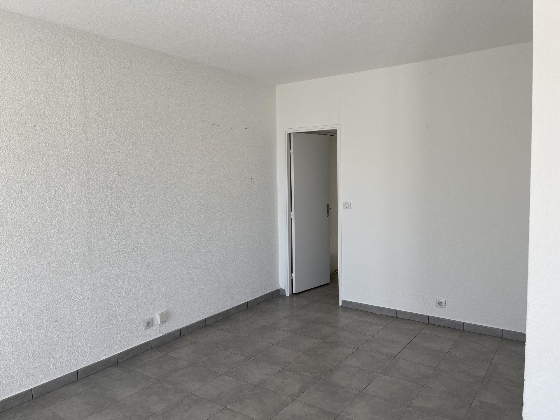 Garage di 4 locali 66 m² e lavanderia