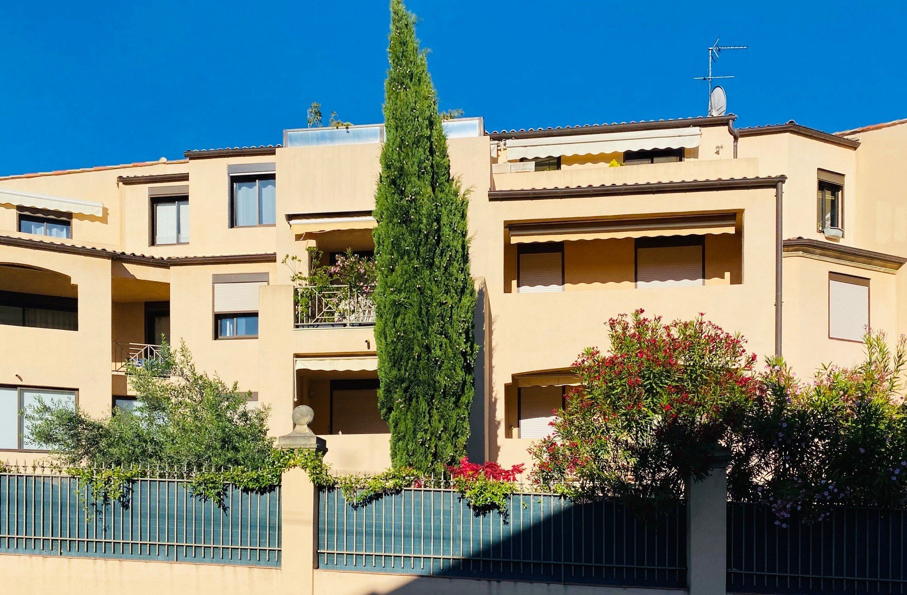 Appartement T3 de 72 m² dans résidence calme avec PISCINE - AIX-EN-PROVENCE