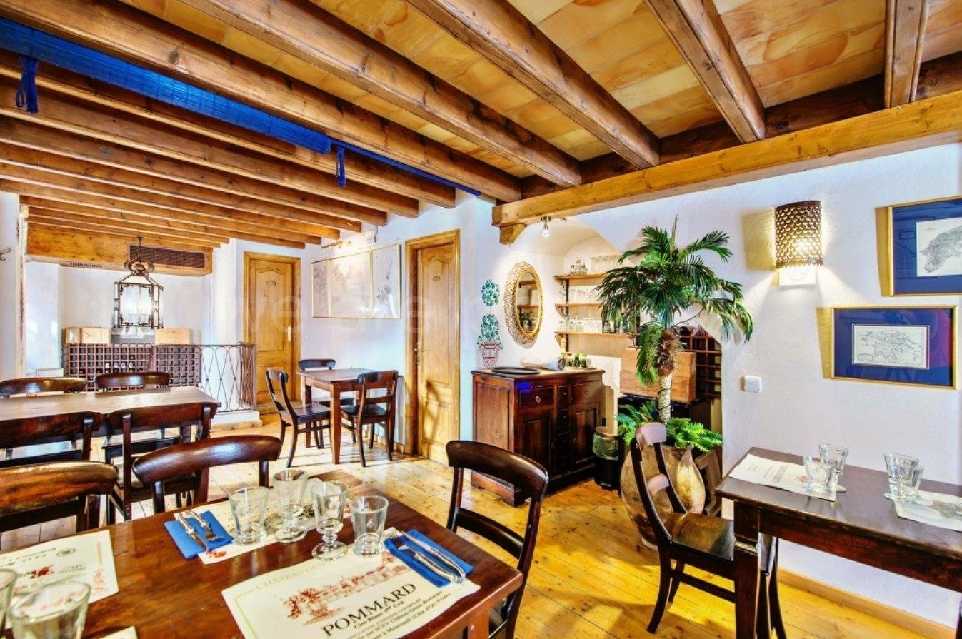 Townhouse with restaurant in Palma old town