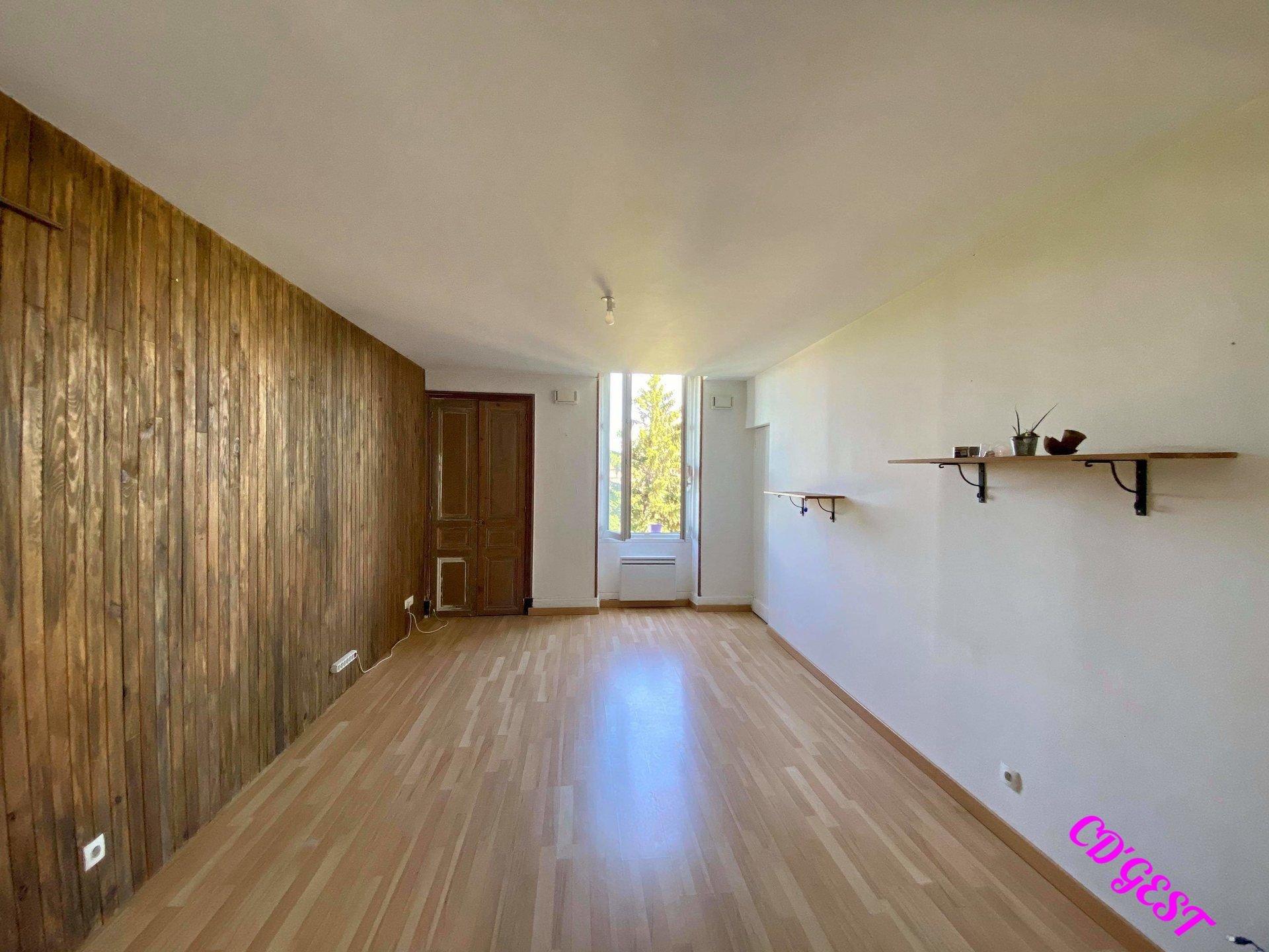 Appartement T3 : 65 m²