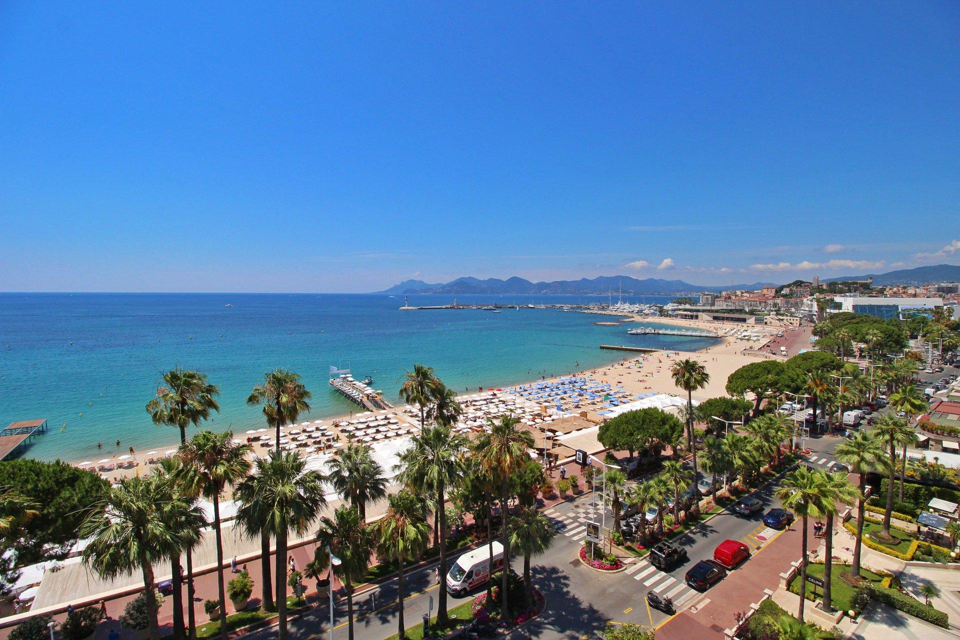 Högsta våningen med spektakulär havsutsikt  - Cannes Croisette