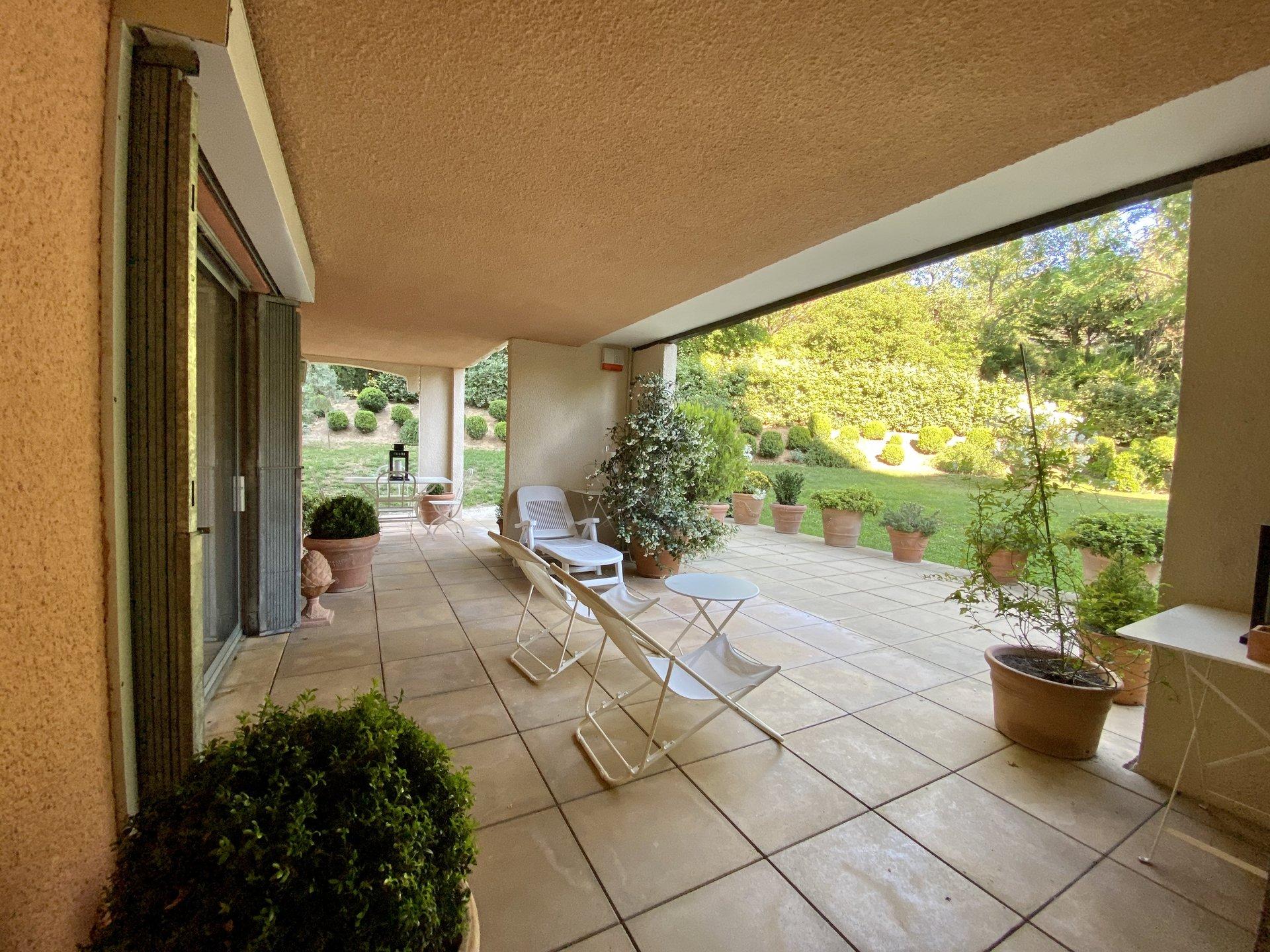 T5 Aix-en-Provence / Parc La Torse