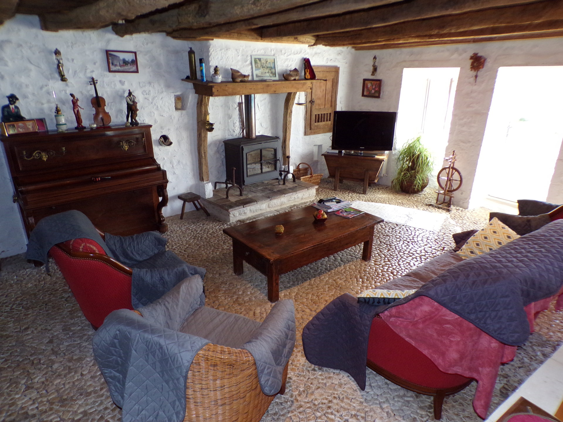 Beautiful property between Nanteuil en Vallée and Verteuil sur Charente