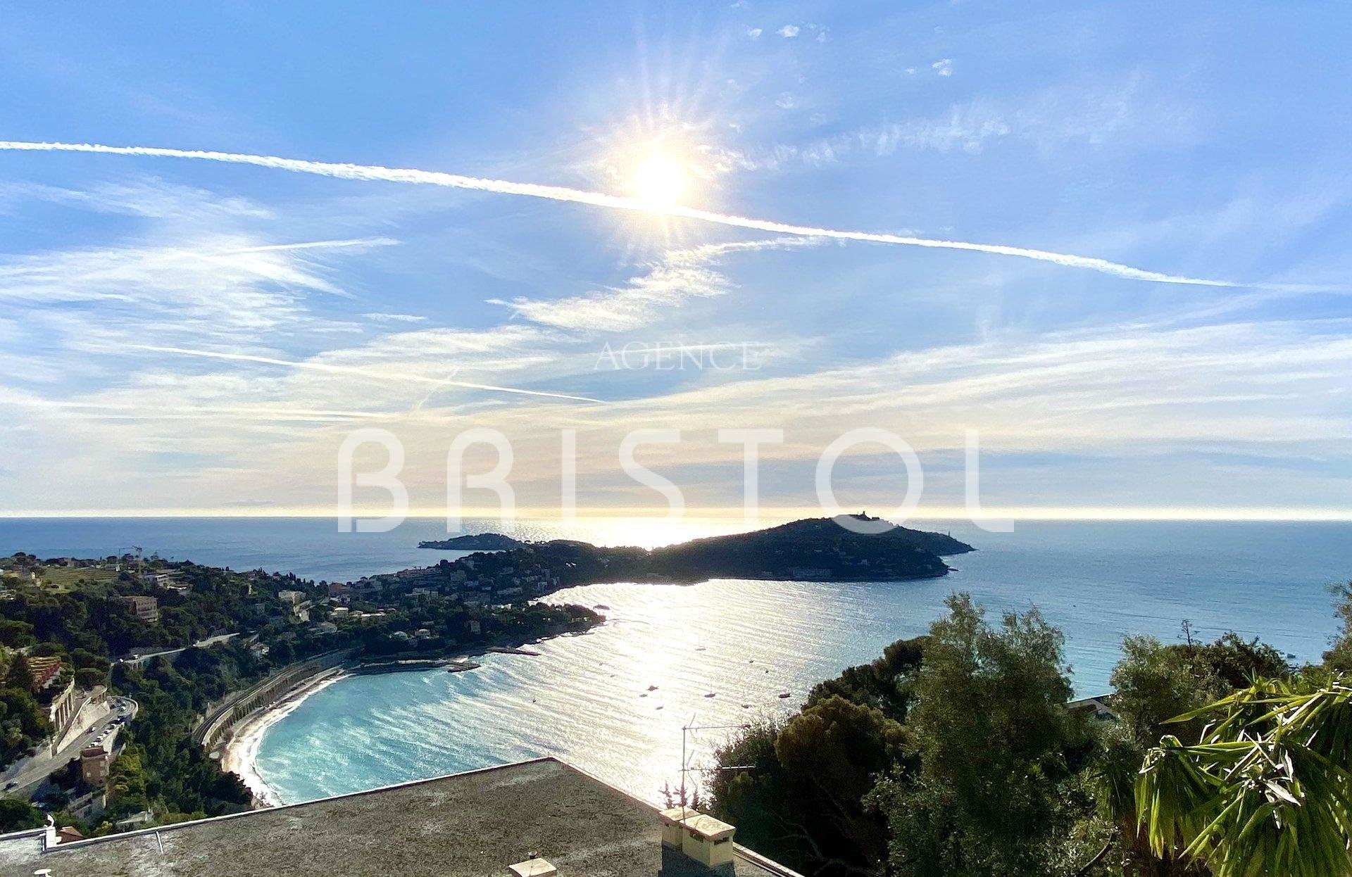 Spacious apartment villa for sale overlooking the  amazing sea view in Villefranche sur mer