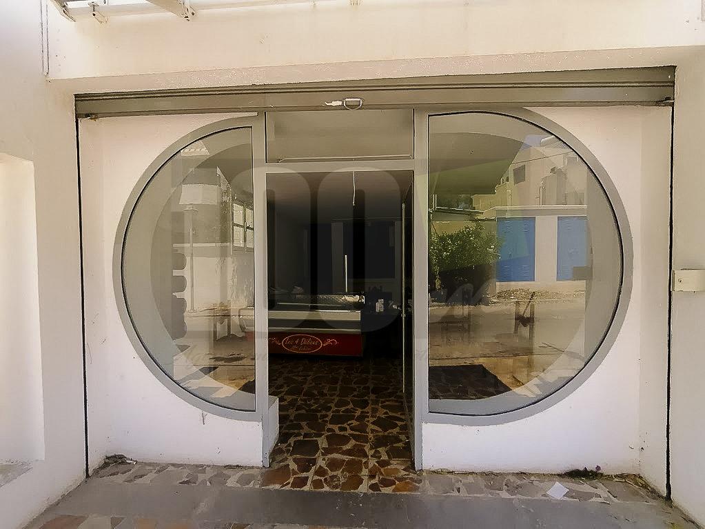 location local commercial de 125m2 Carthage Dermech