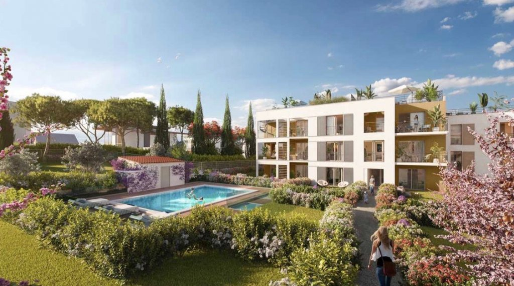 JUAN LES PINS - 4 bed apartment within 300 meters walking from beaches