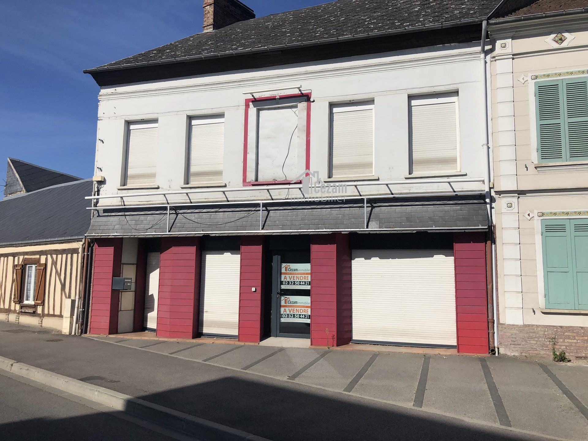 LOCAL COMMERCIAL EVREUX 27000