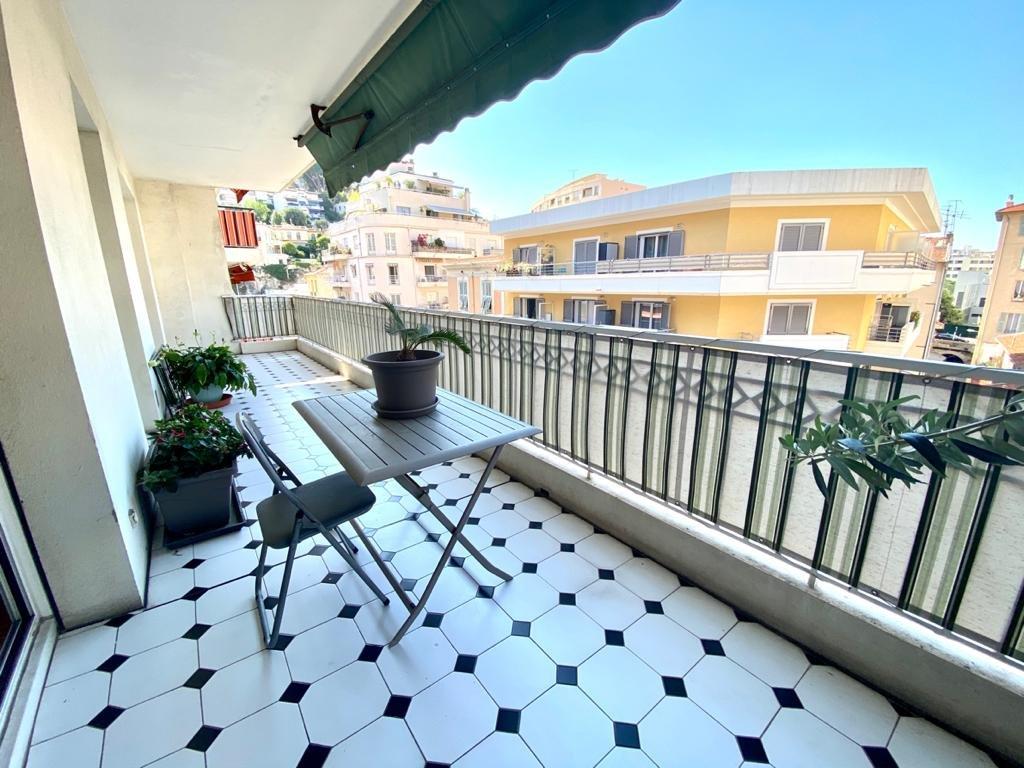 Nice - Le Port 4 pièces avec terrasse
