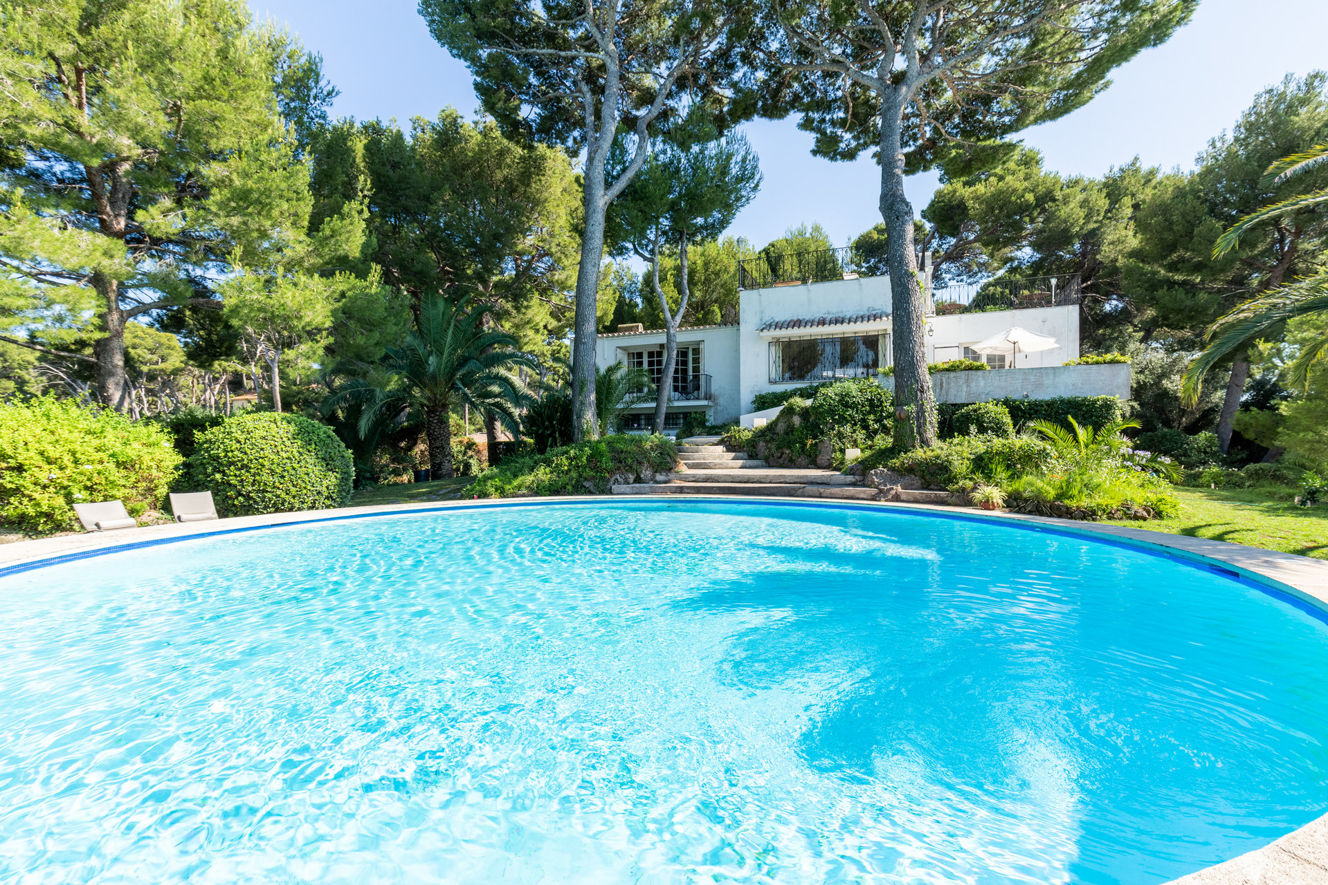 Real estate Côte d'Azur – France – Vaneau – 1