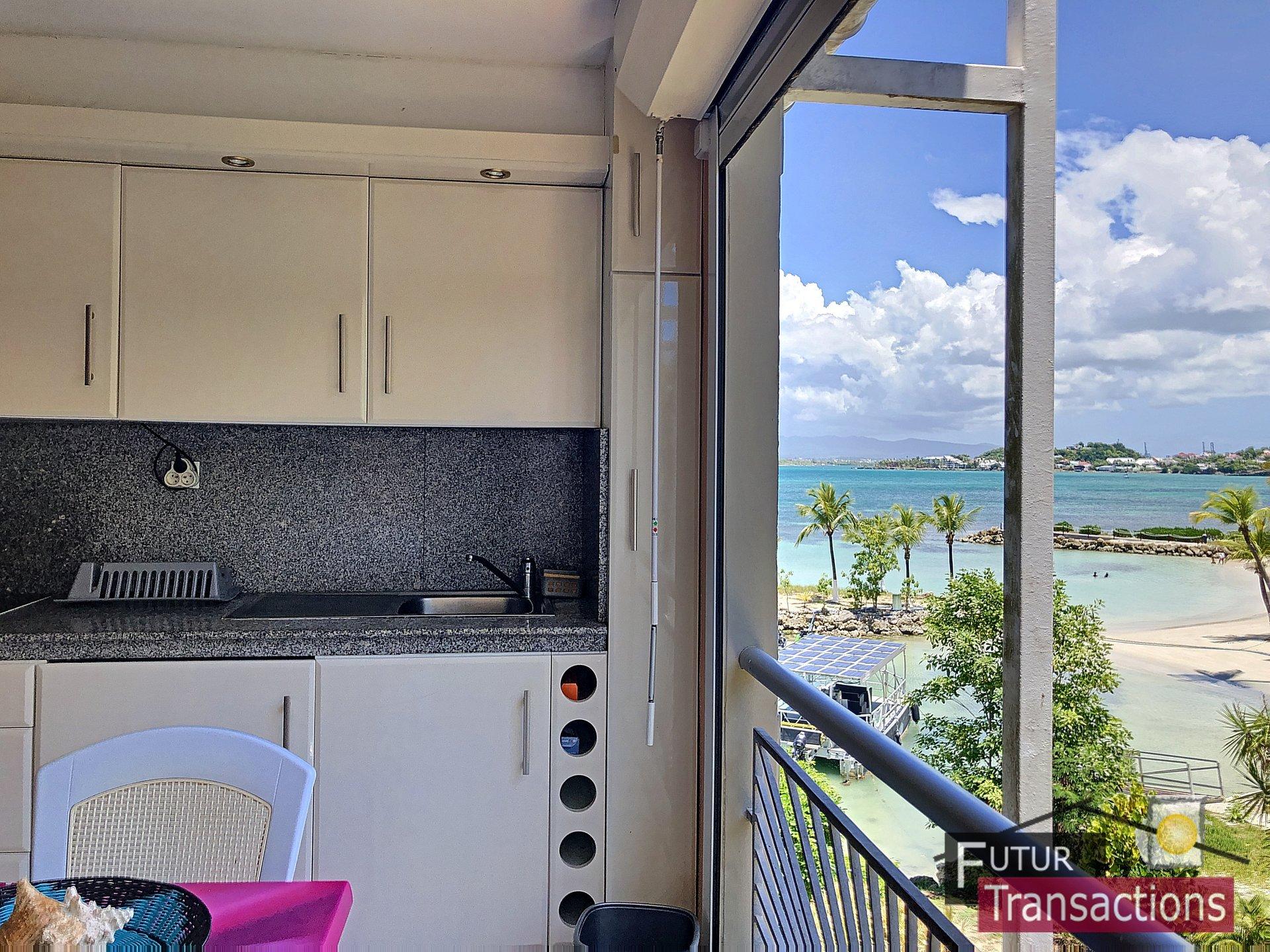 le gosier studio vue mer accès plage