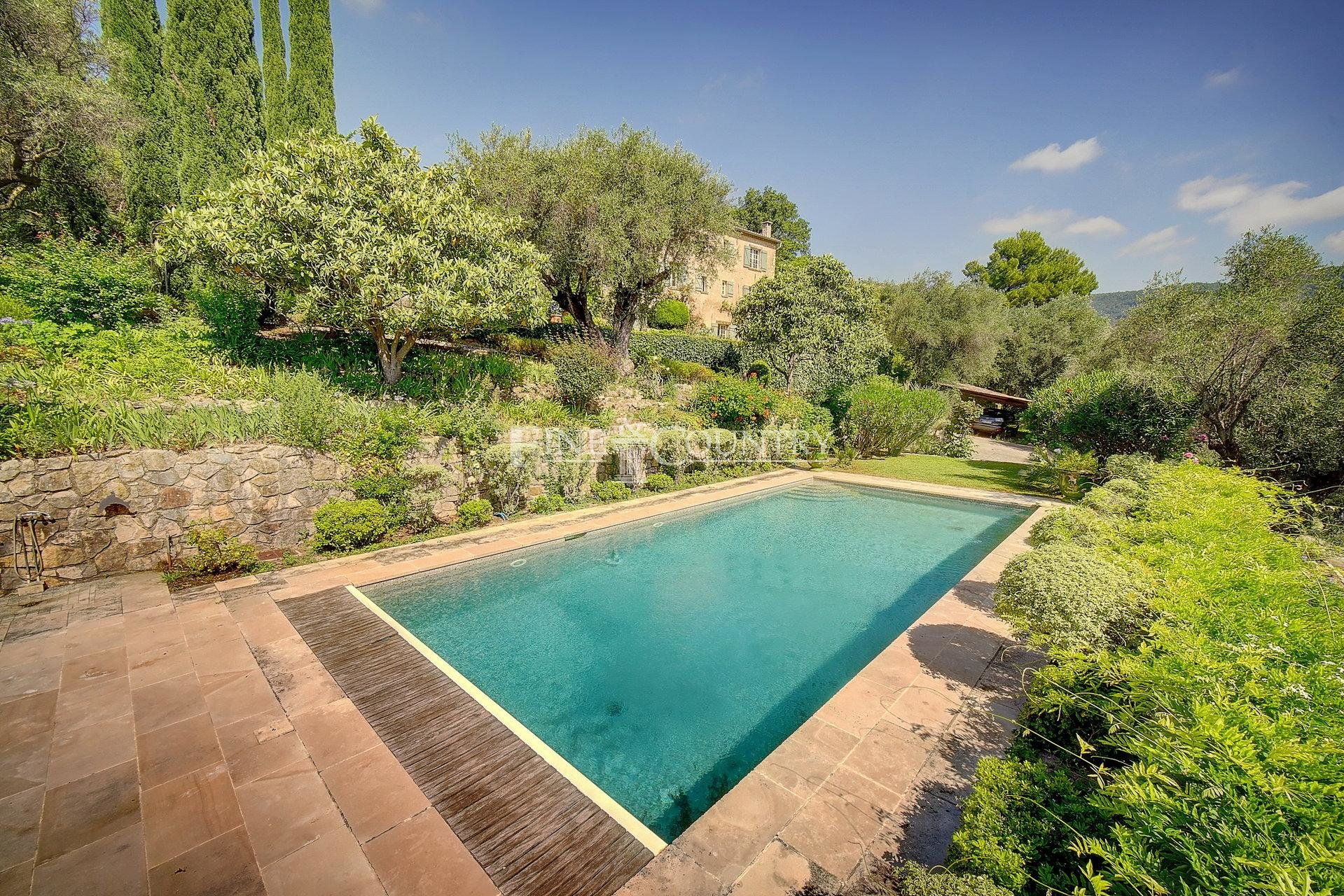 18th Century Stone Bastide for sale in Chateauneuf-Grasse