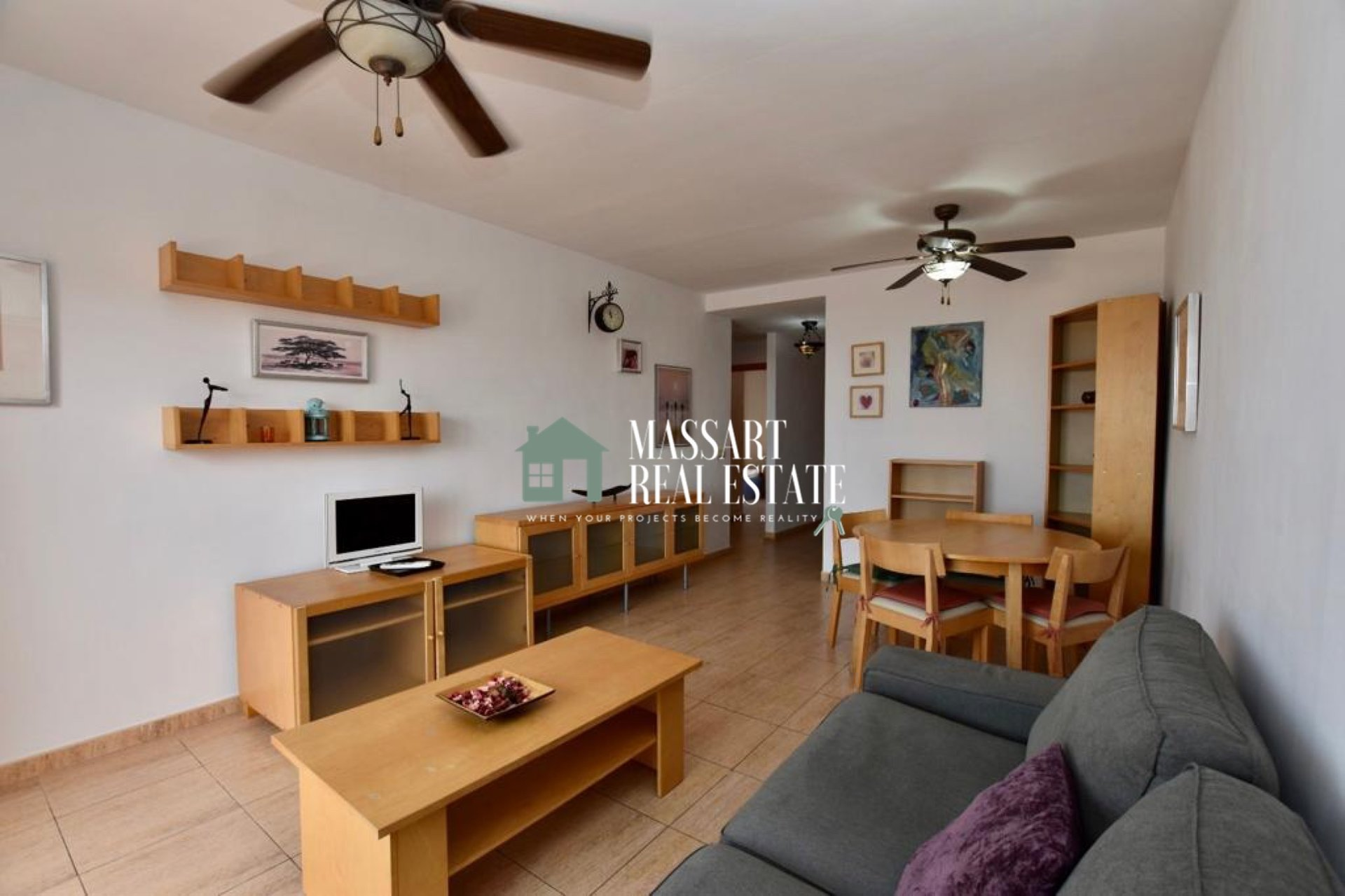 Te huur in de exclusieve wijk El Galeón (Adeje), gemeubileerd penthouse in zeer goede staat.