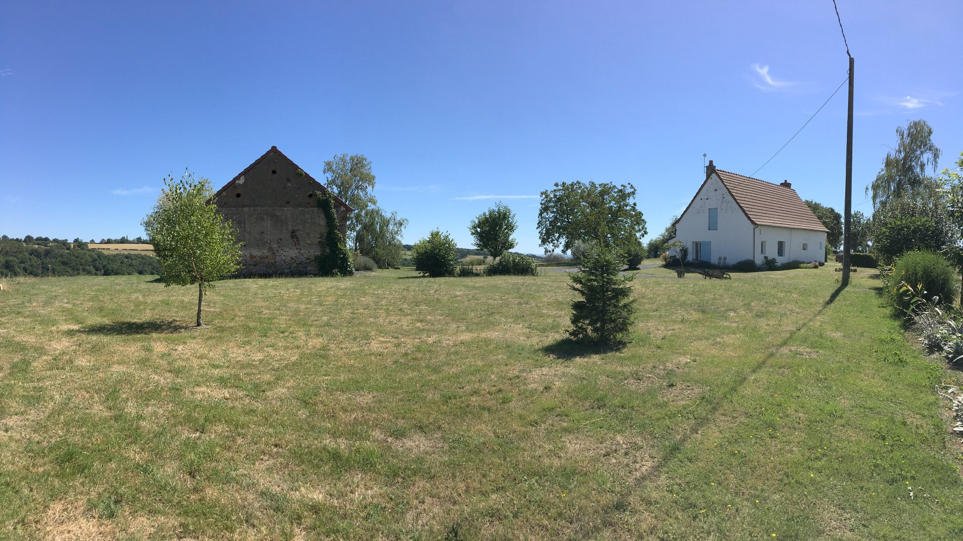 House + gîte with panoramic views for sale in Burgundy