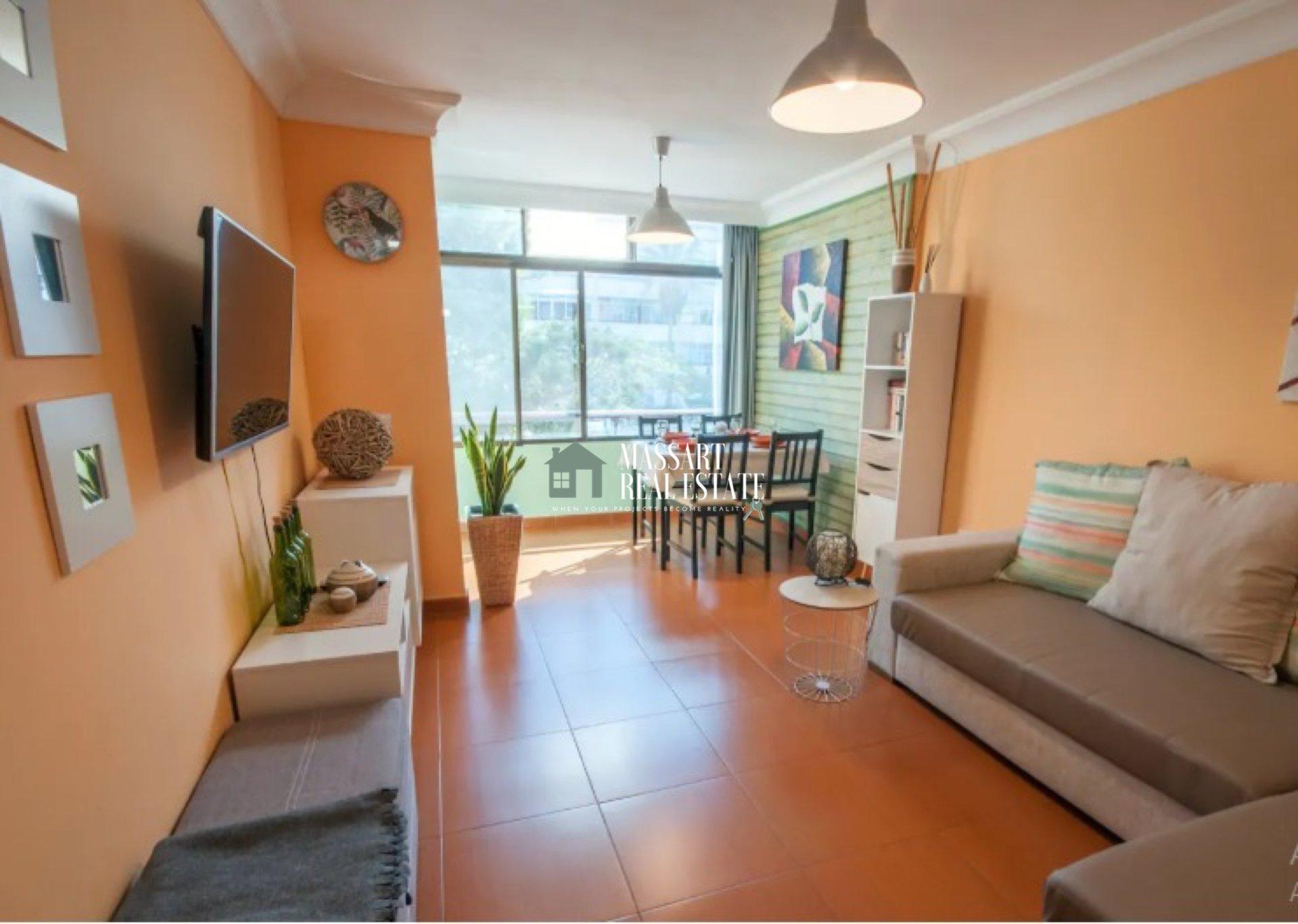 In vendita a Costa del Silencio, appartamento di 47 m2 completamente ristrutturato e arredato ... ideale per investimento ... ha una licenza di vacanza!