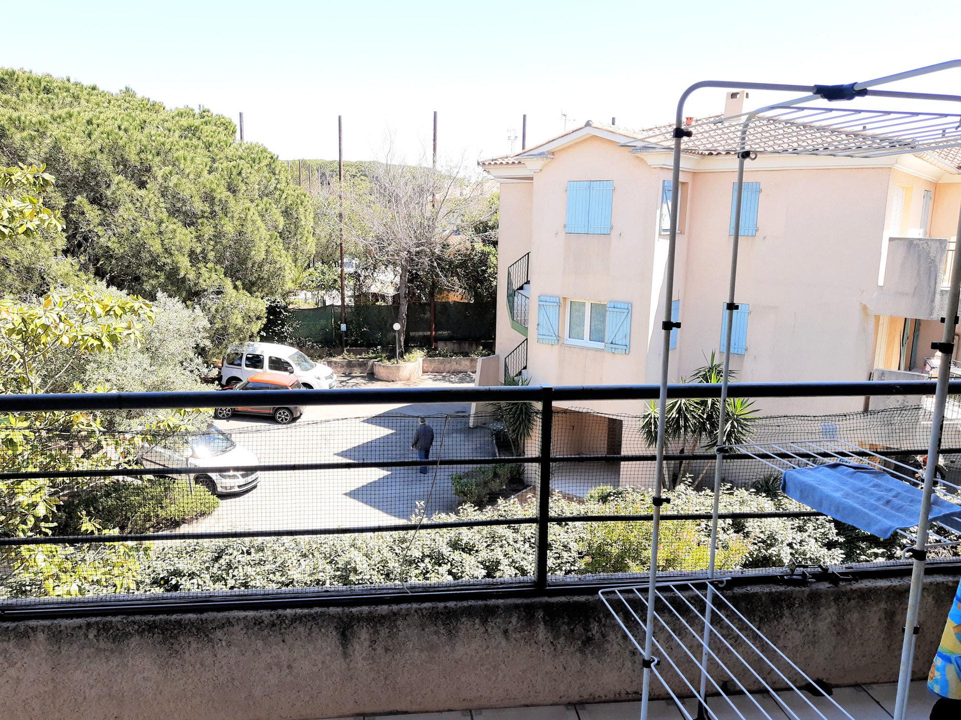 F3 avec cave, parking et garage à Fréjus