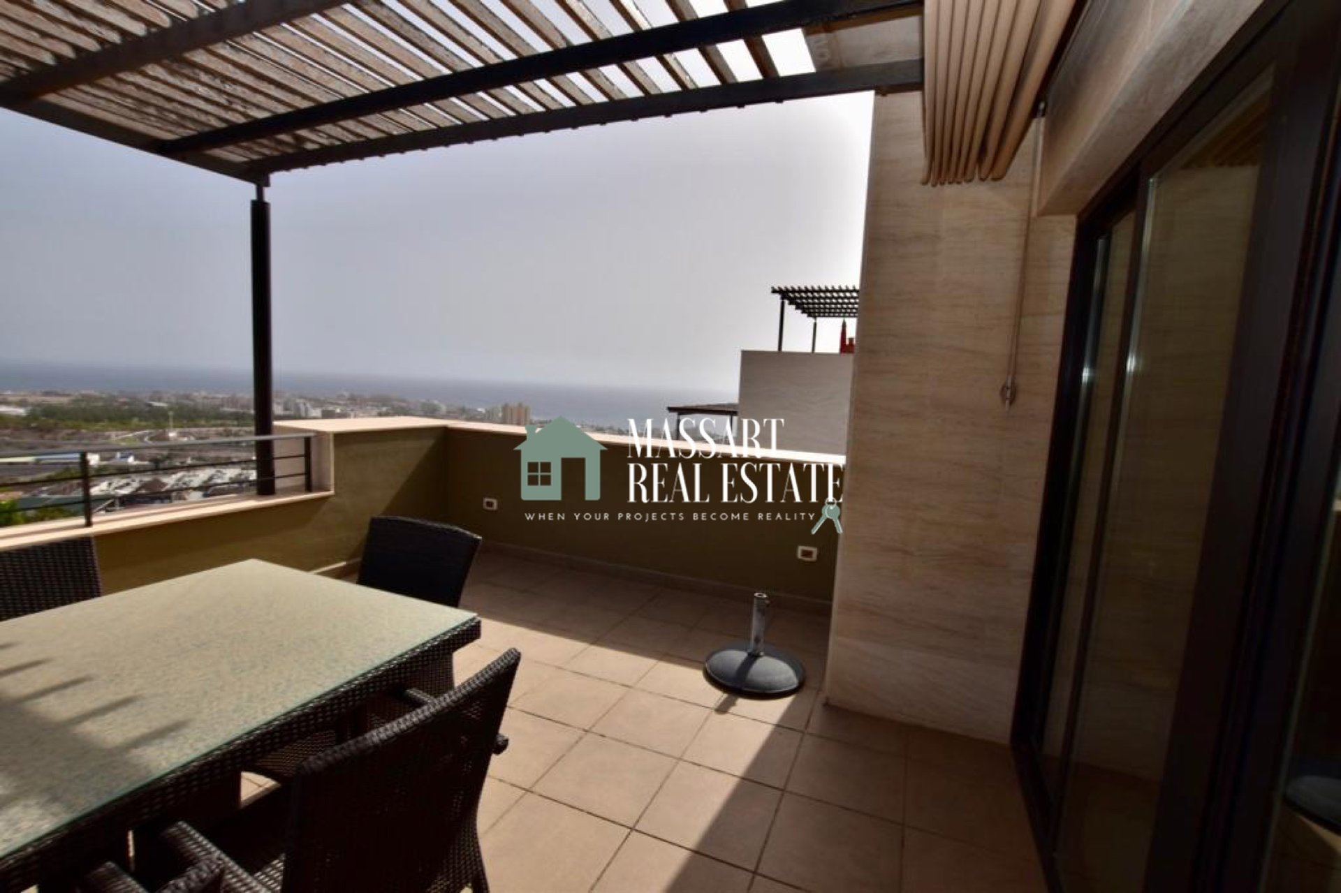 Magnifique villa de 162 m2 à vendre dans un quartier exclusif de Costa Adeje, La Caldera del Rey.