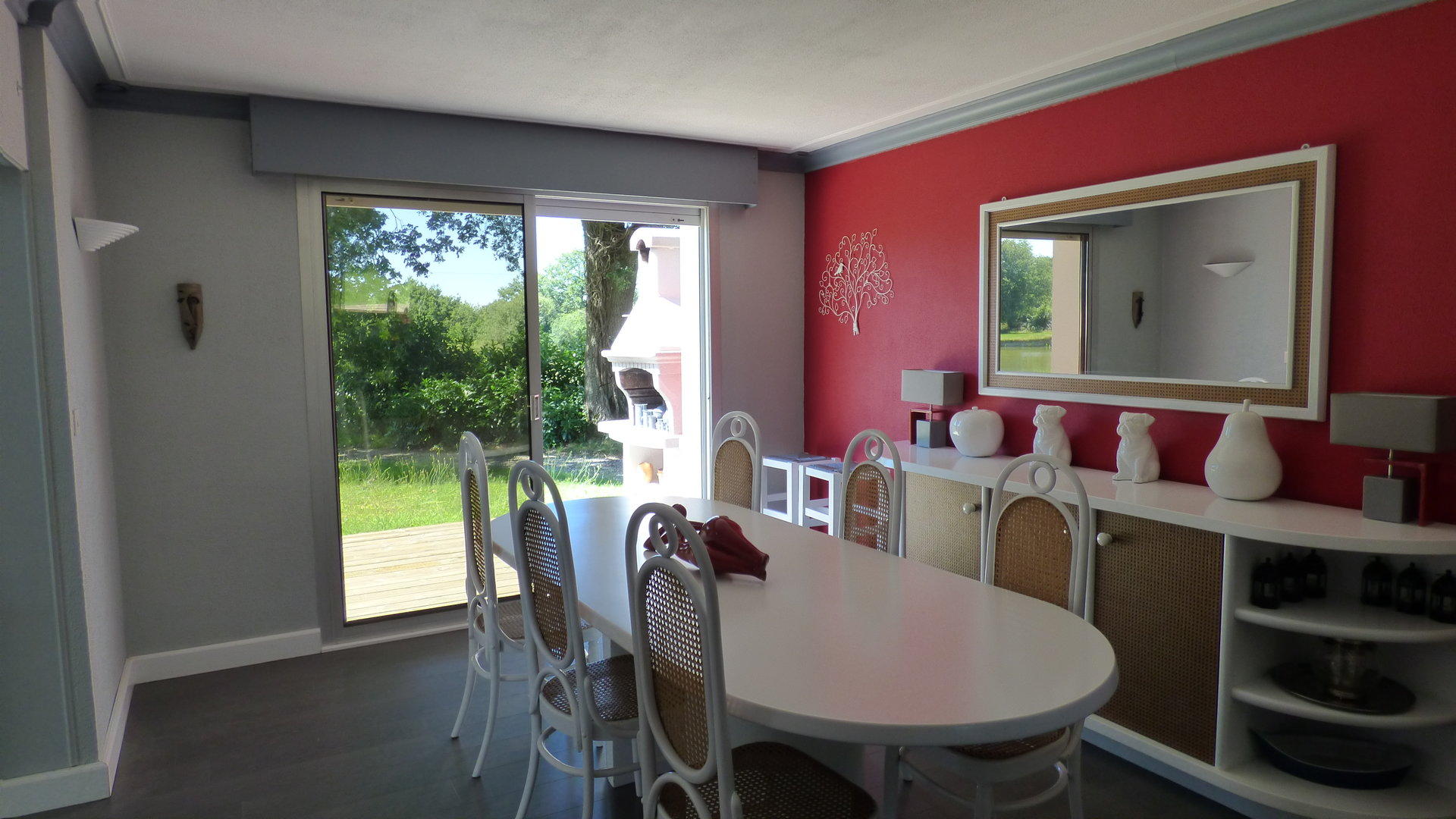 Dans son agréable écrin de verdure, belle propriété sur 9 000 m²!