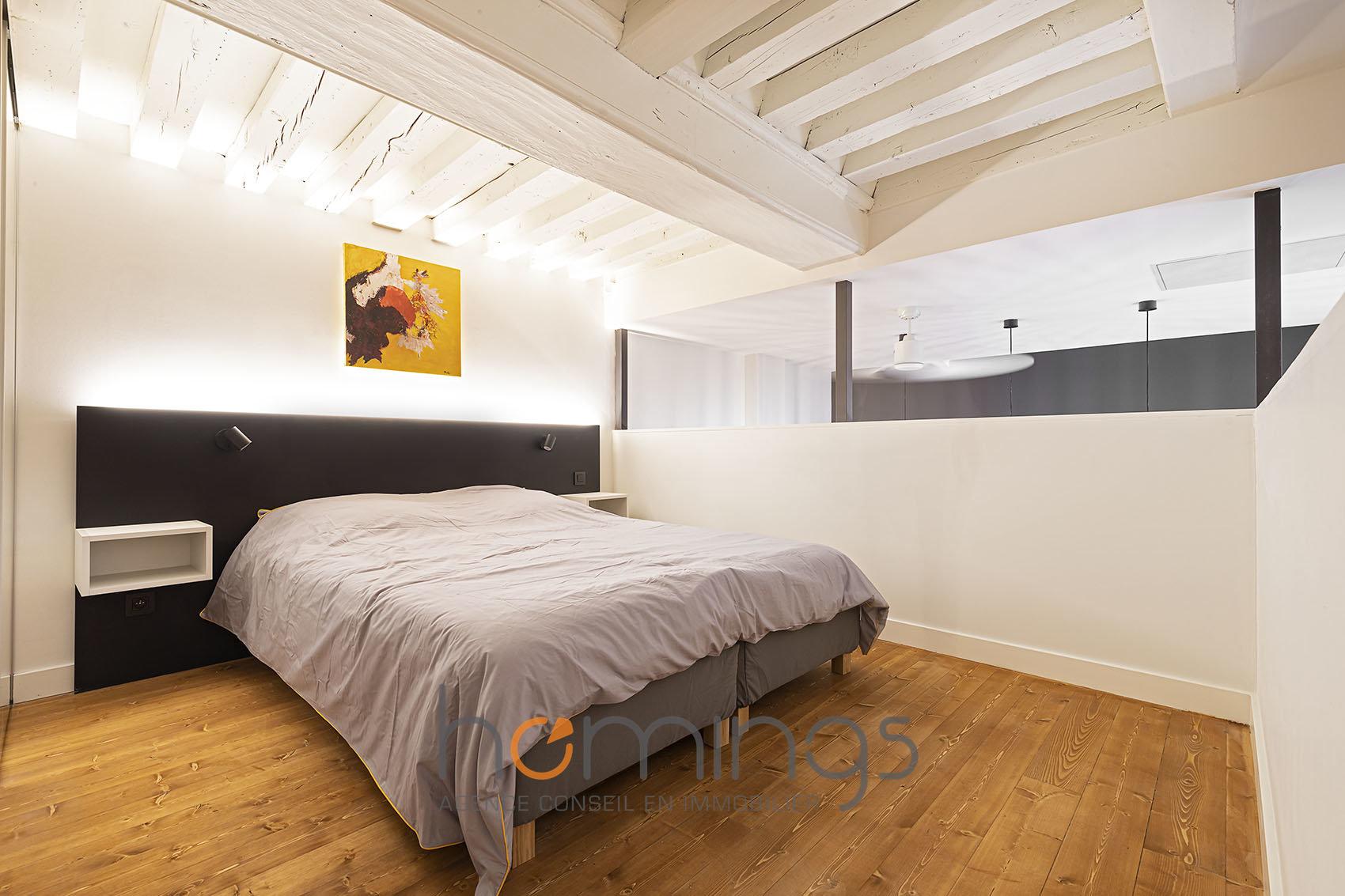Loué par notre agence - Secteur HOTEL-DIEU : T2 en Duplex Meublé