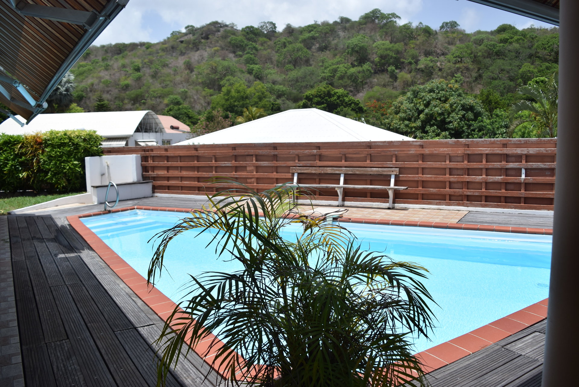 Vends Villa + piscine + T2, le Carbet