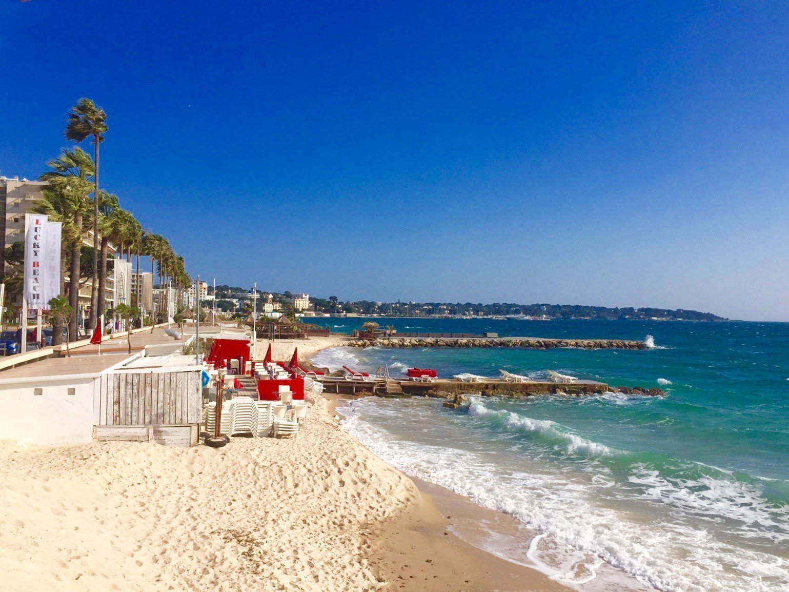 JUAN LES PINS - 2 bed apartment within 300 meters walking from beaches