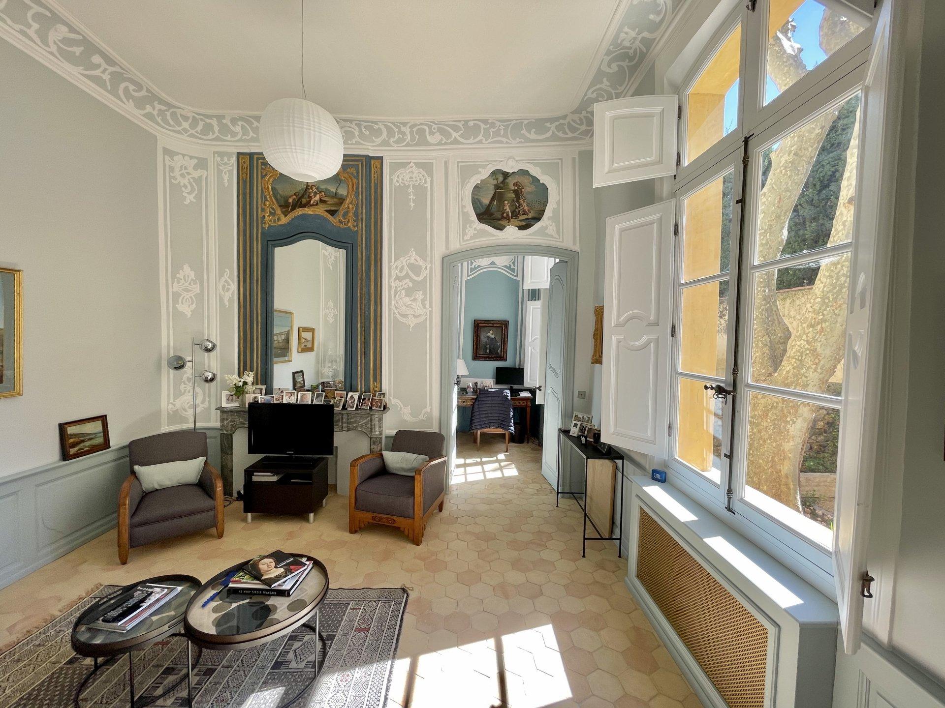 Appartement Noble et Jardin / Quartier Mazarin