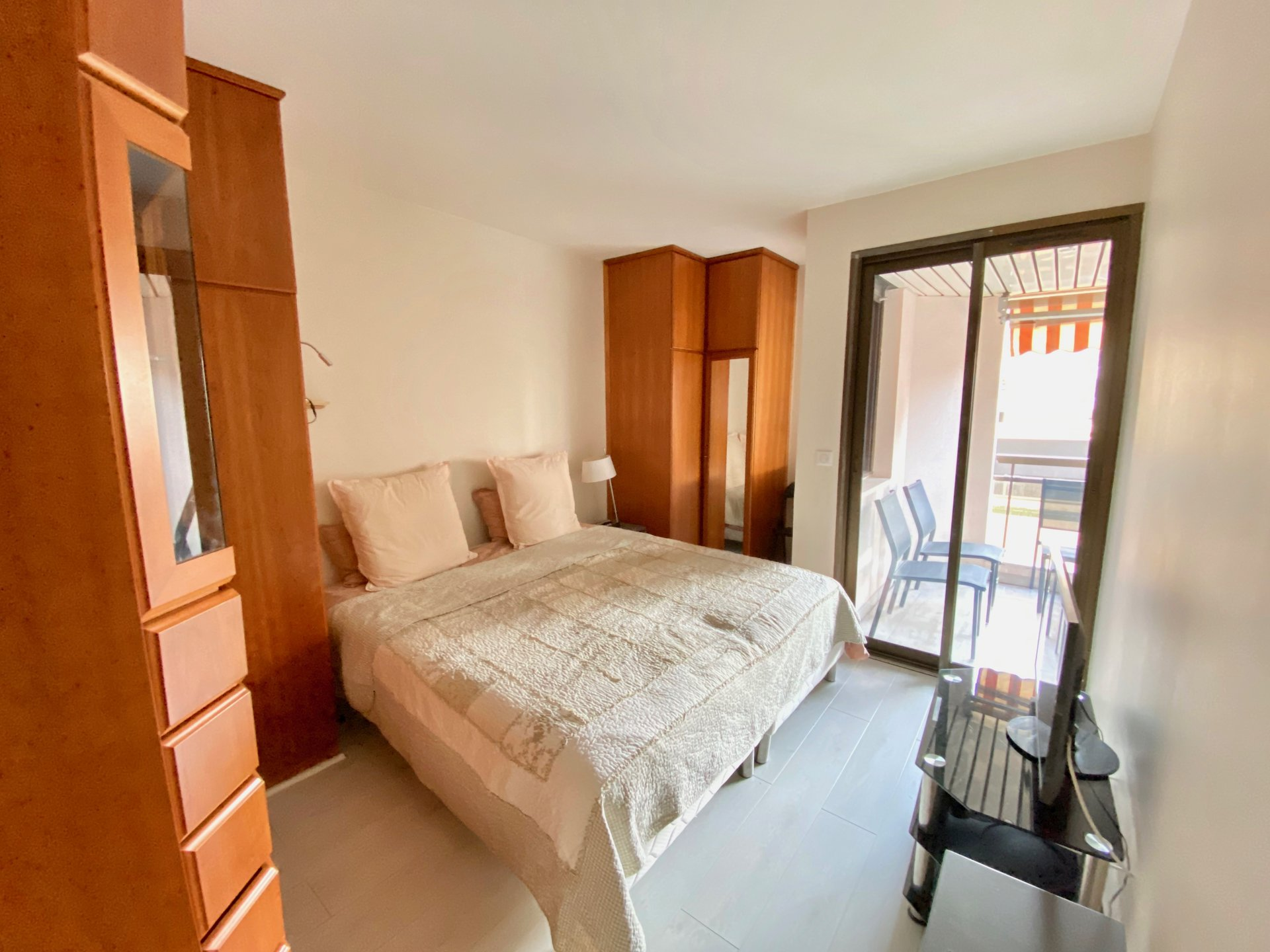 2 bedrooms and sea view