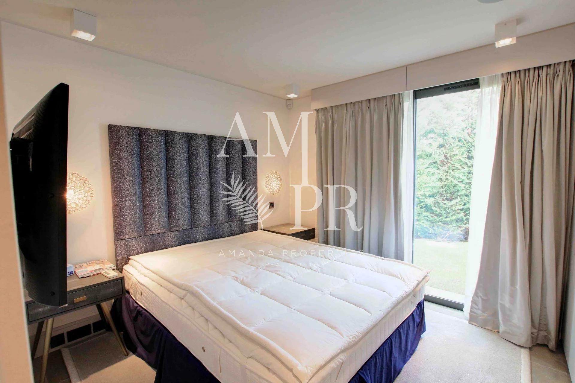 Sea View- 7 Bedrooms