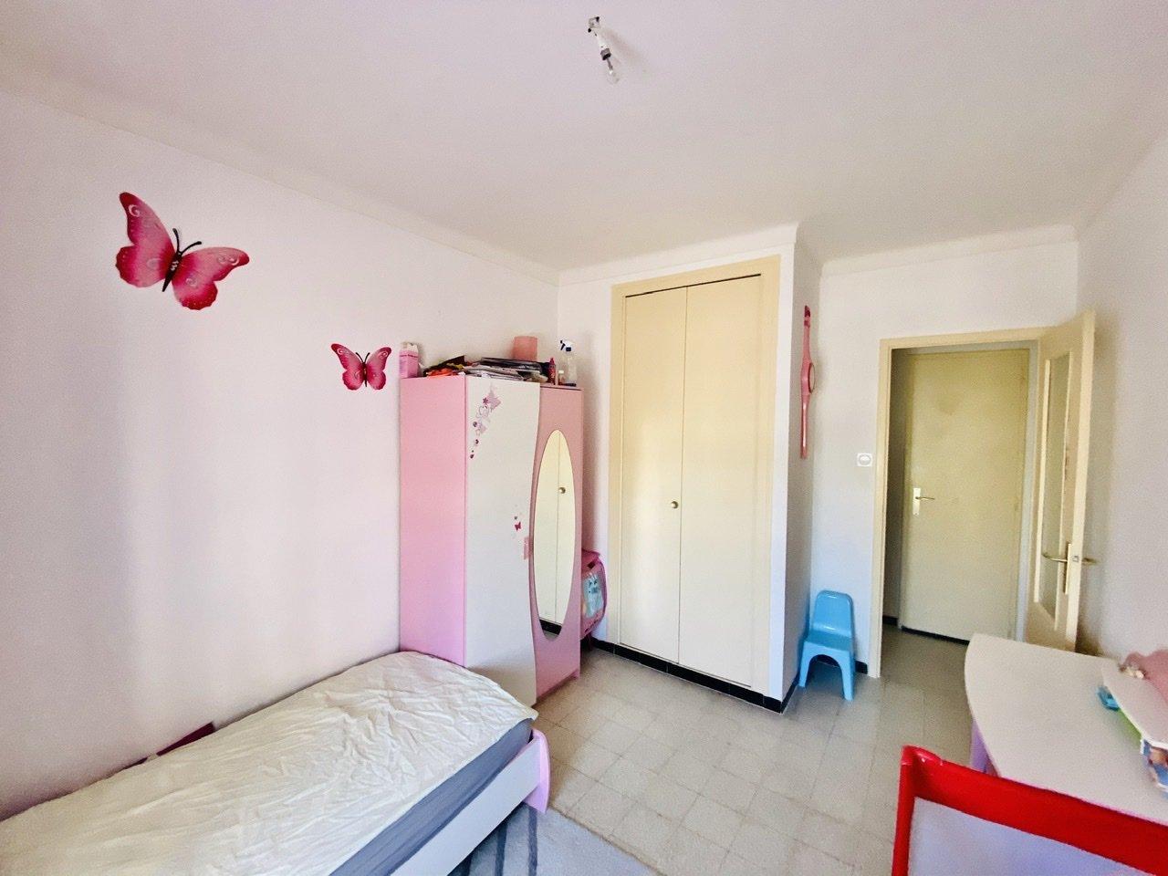 Pour Investisseur,  Appartement T4 avec loggia (Loyer 500€)