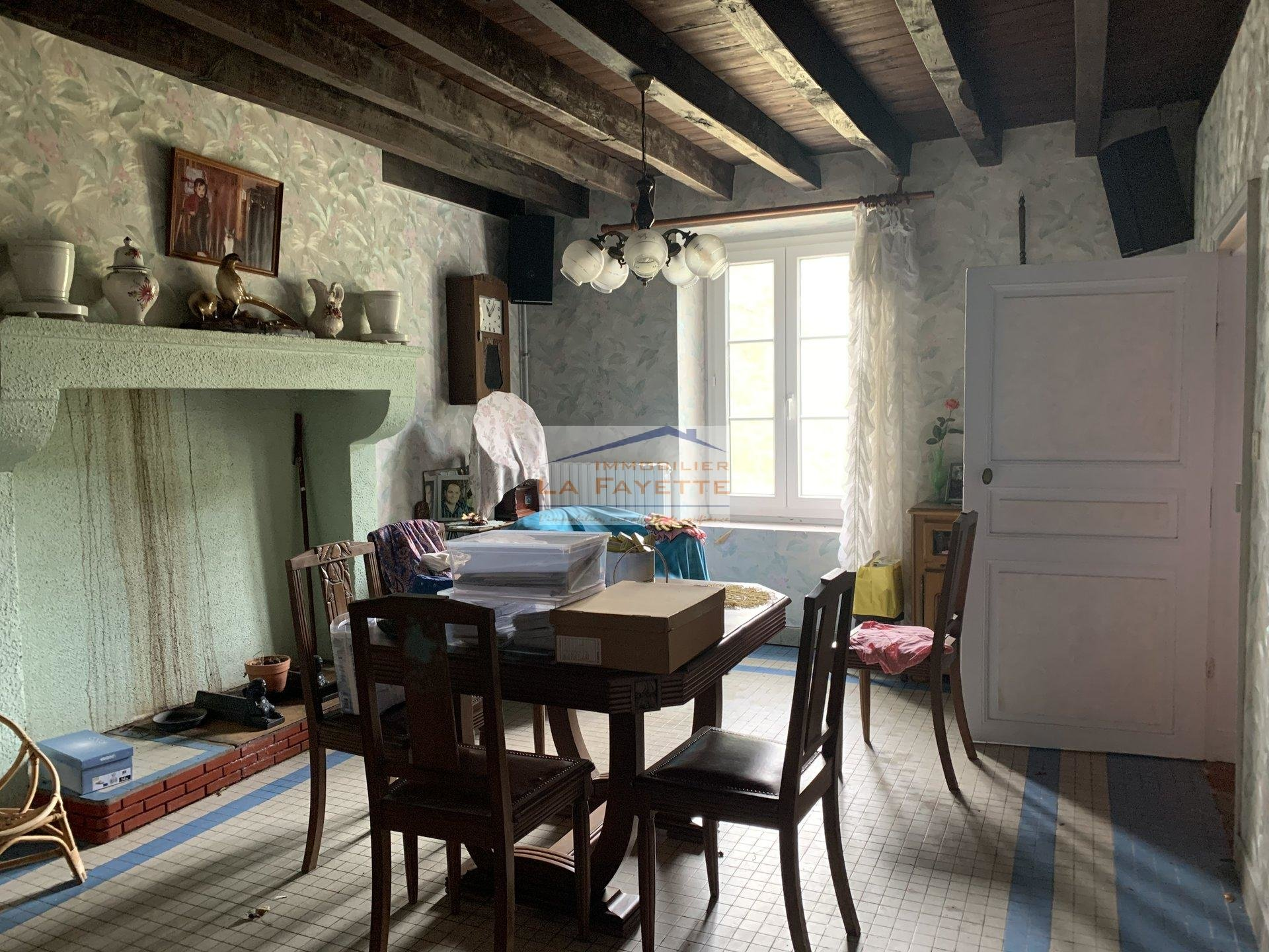 Sale Farmhouse - St Aout