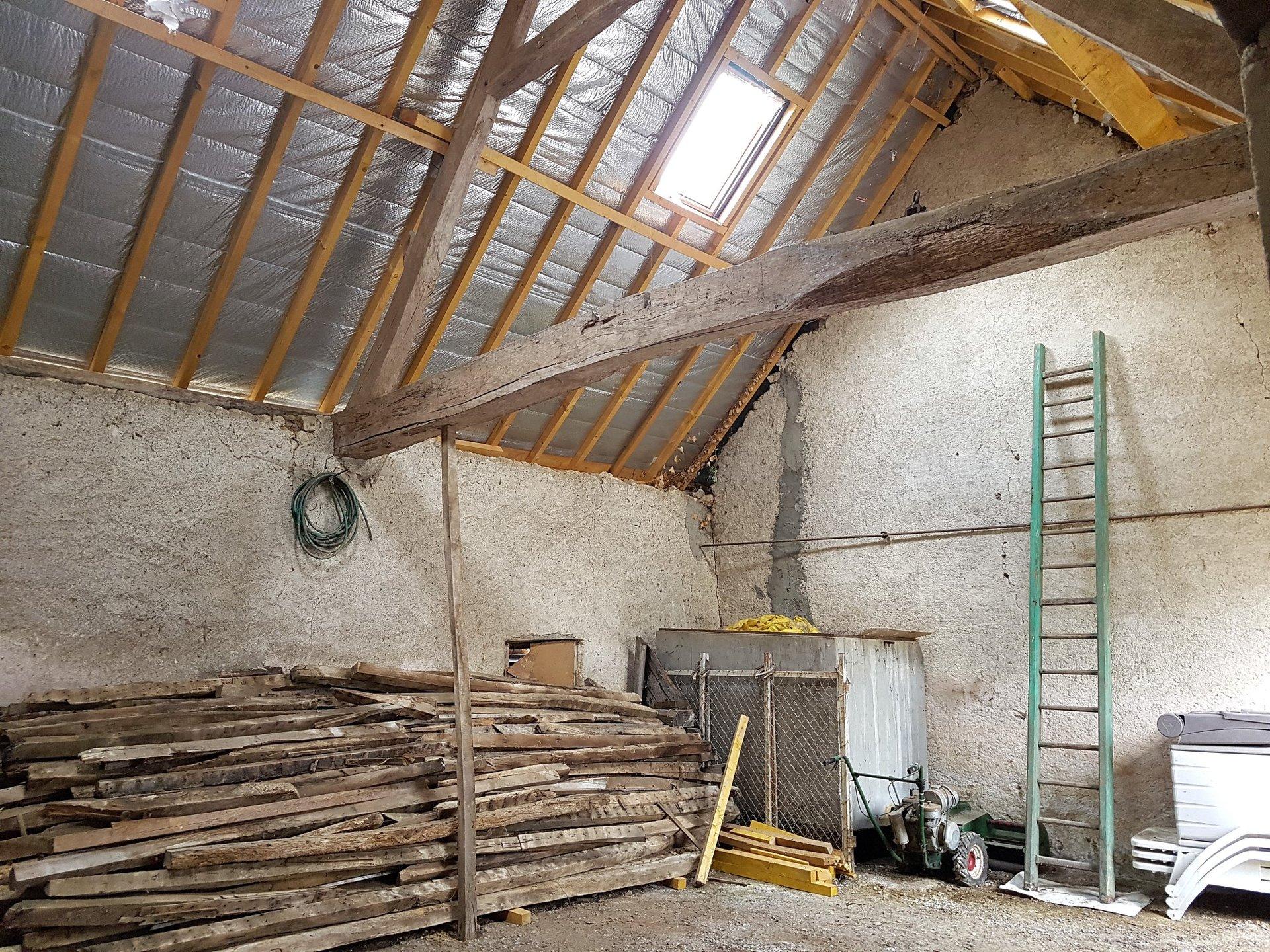 Boerderijtje met te restaureren bijgebouw te koop, Vienne 86