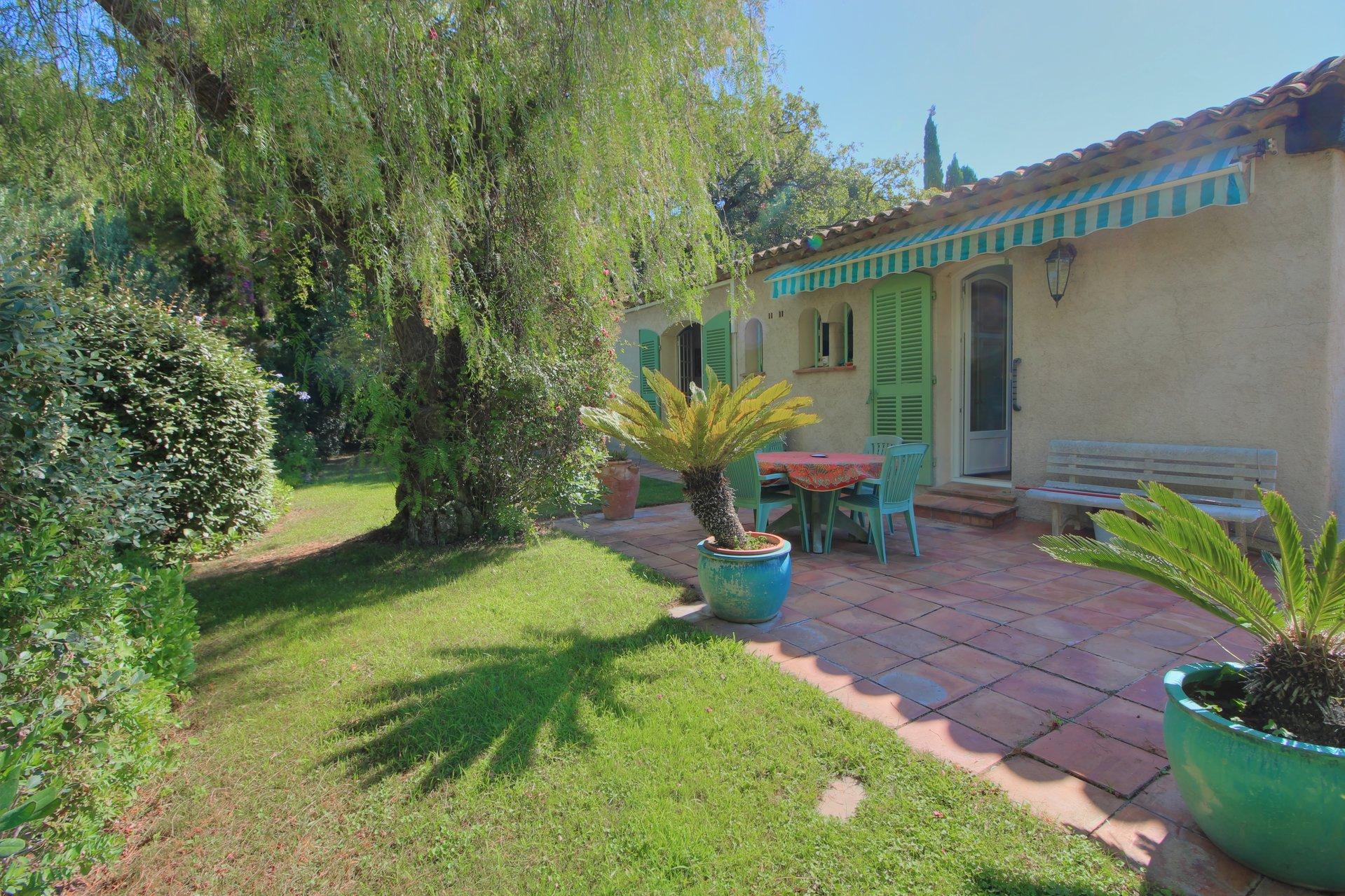 Villa Type T5 avec grand jardin paysagé