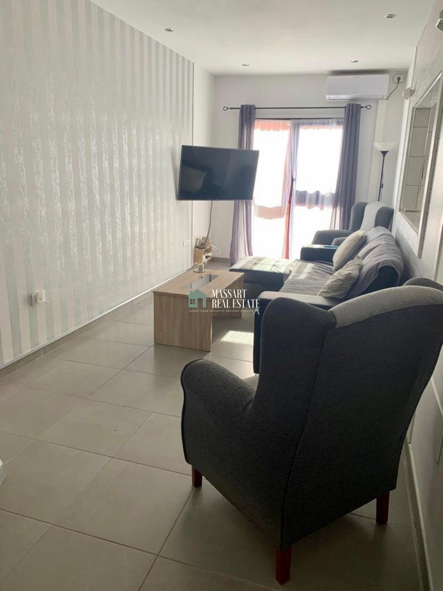 FOR SALE - Apartment of about 76 m2 recently renovated and fully furnished in a strategic area of Las Chafiras.