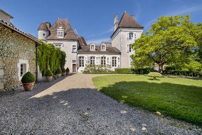 Sale Castle - Celles