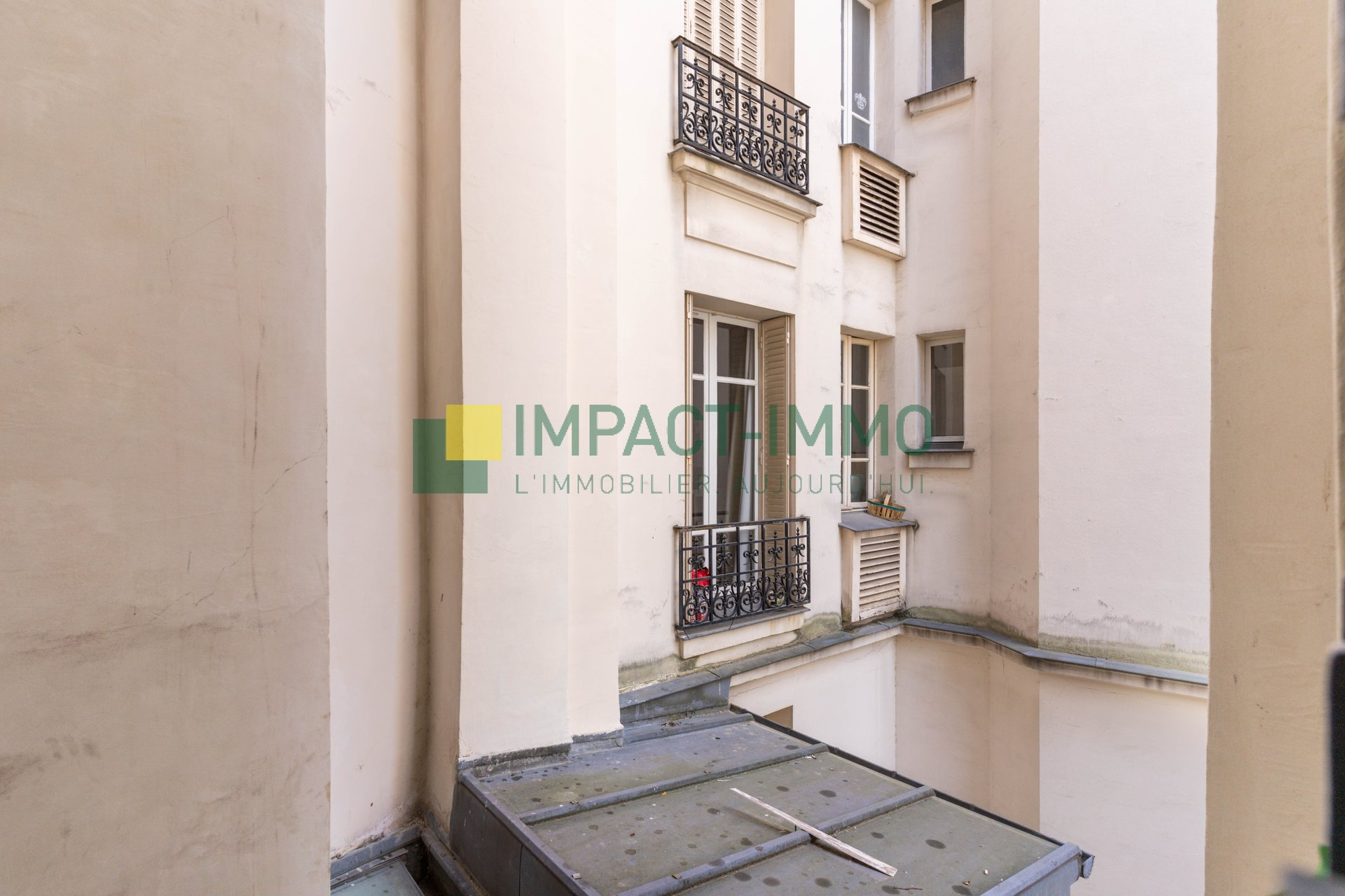 STUDIO - LUMINEUX - CAMBRONNE - PARIS 15