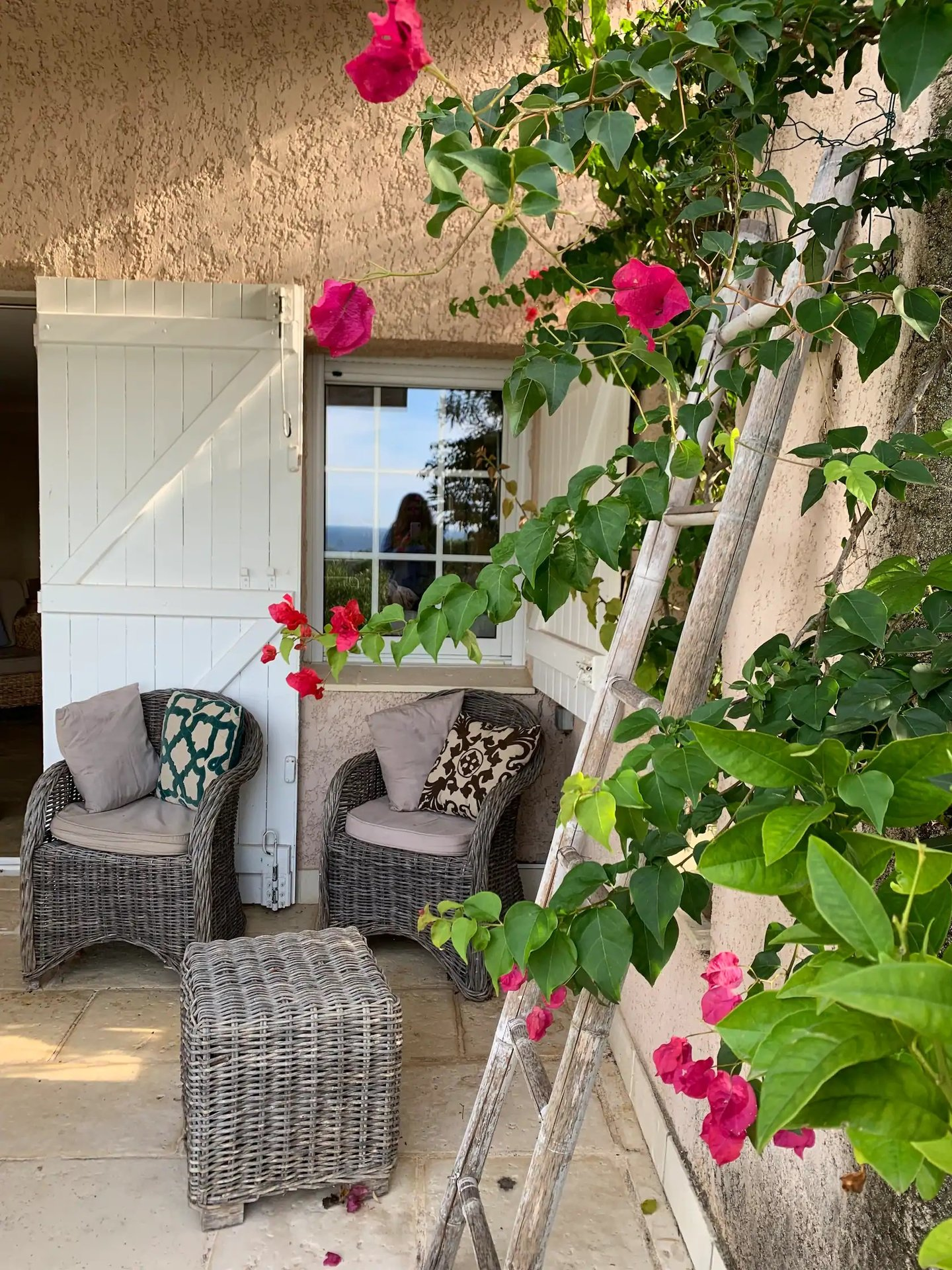 GIGARO / GERANIUMS - RENOVATED FARMHOUSE WITH AIRCO AND SEA VIEW