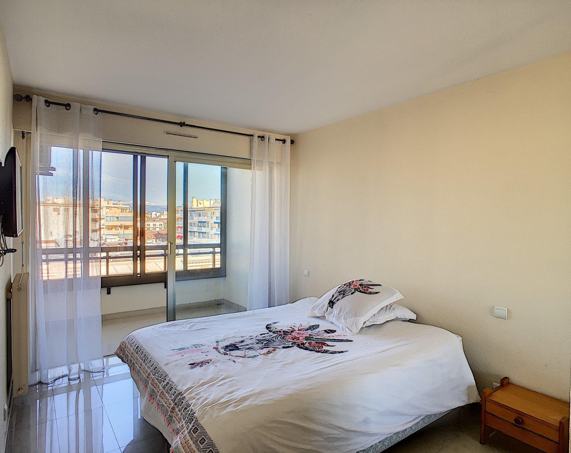 Appartement front de mer 3 pièces Juan-les-Pins
