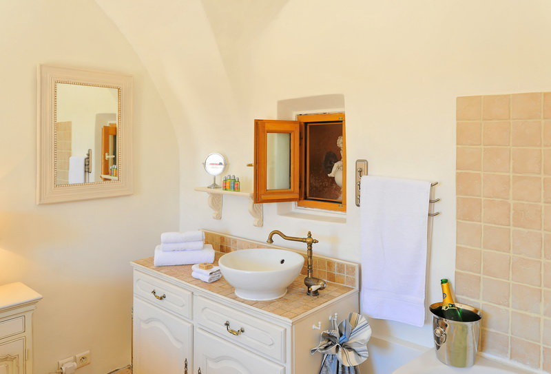 SALE Apartment 2 Rooms 42m² Nice Old Town Cours Saleya