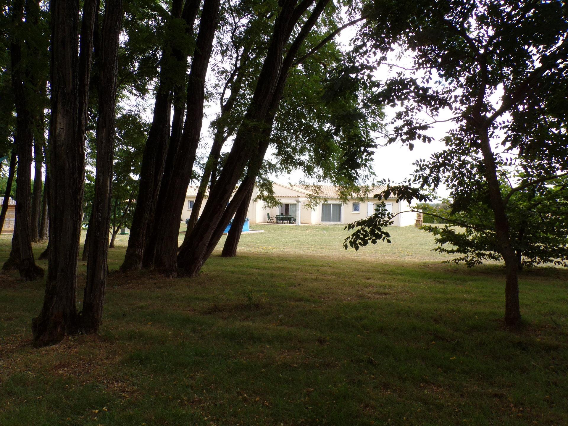 Beau pavillon à 5 kms de Ruffec