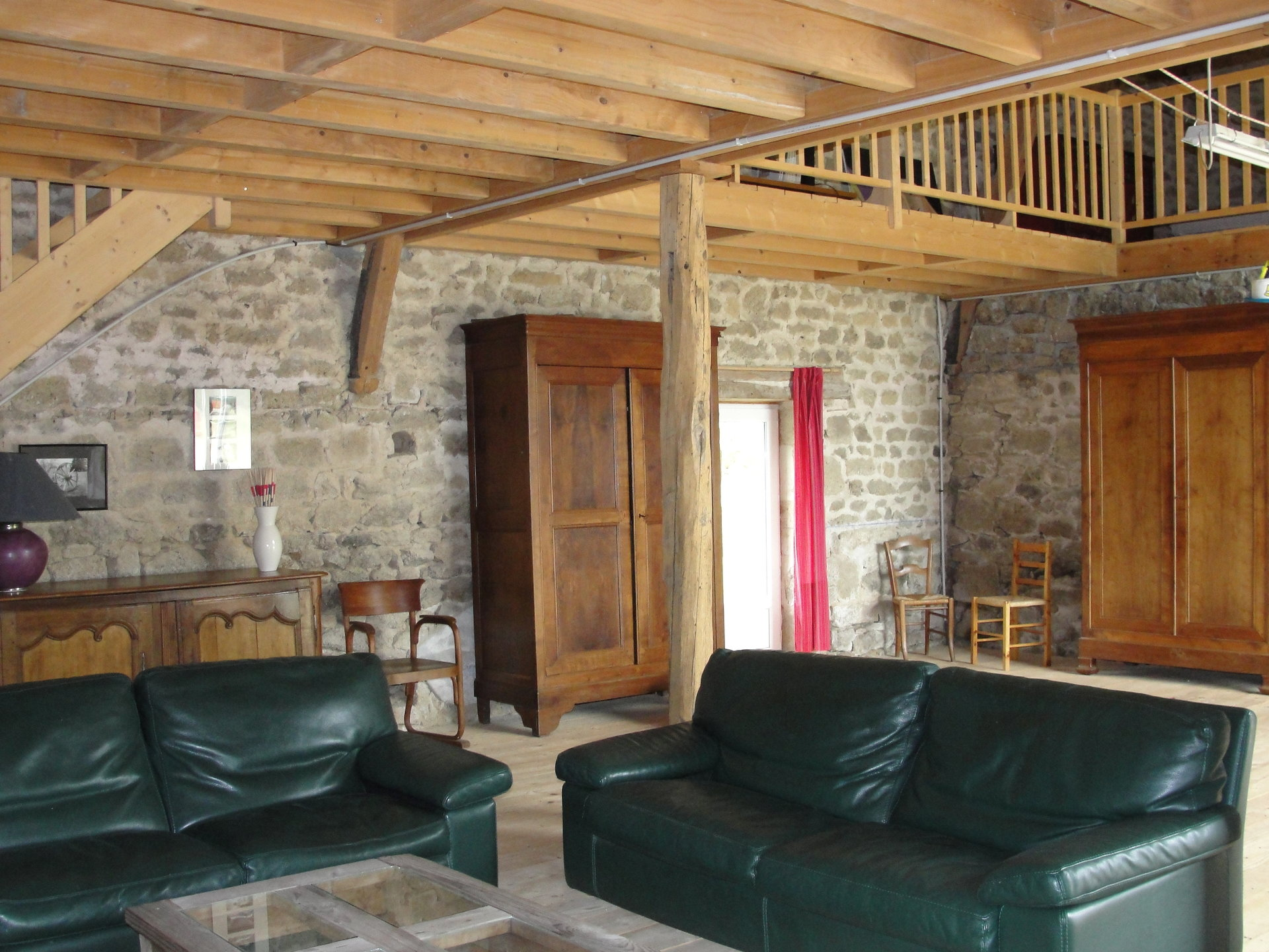 For sale in the Creuse, a nature stone house on 2,5 acres.