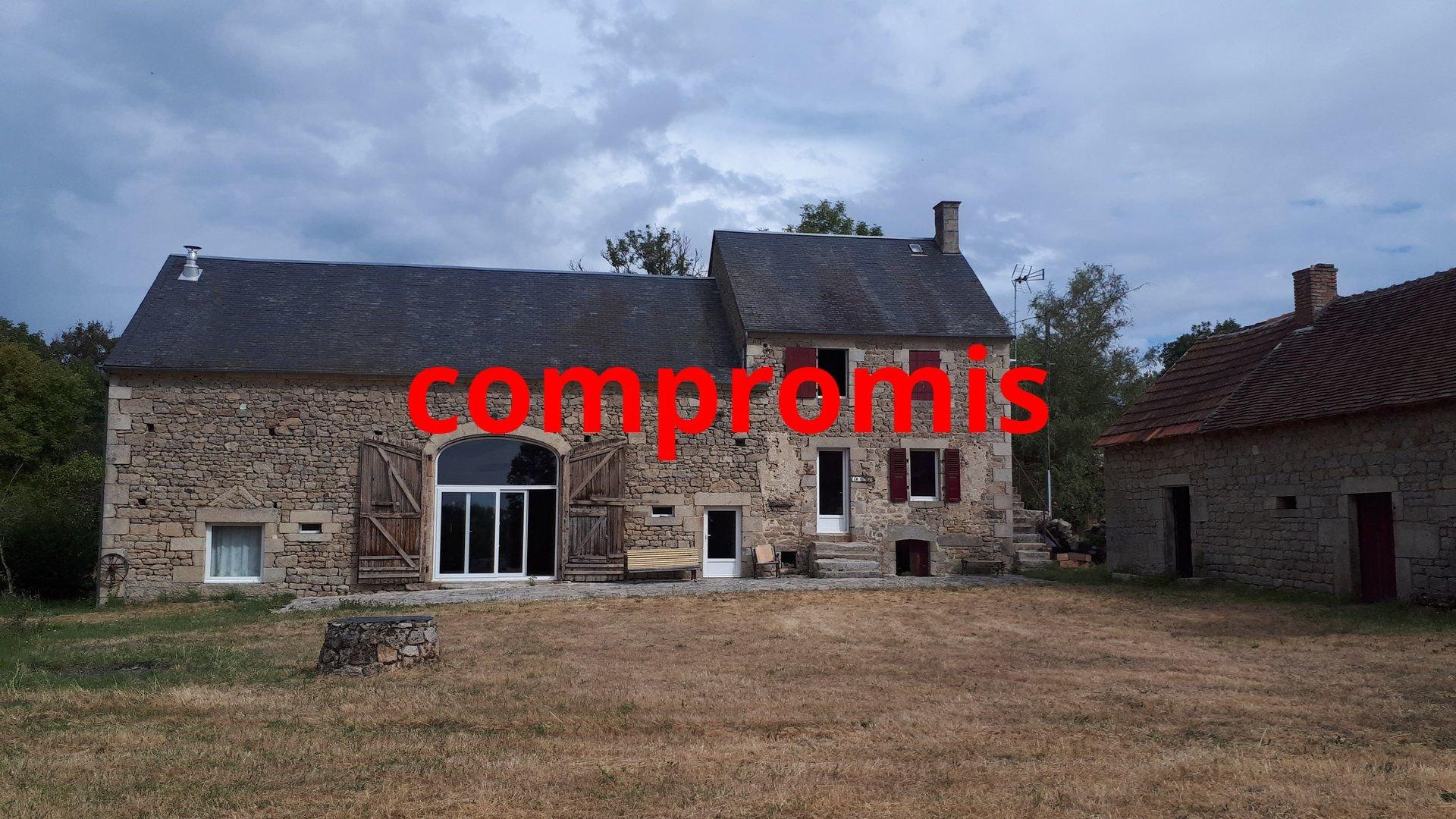 Te koop in de Creuse natuurstenen woonhuis op ruim 1 ha.