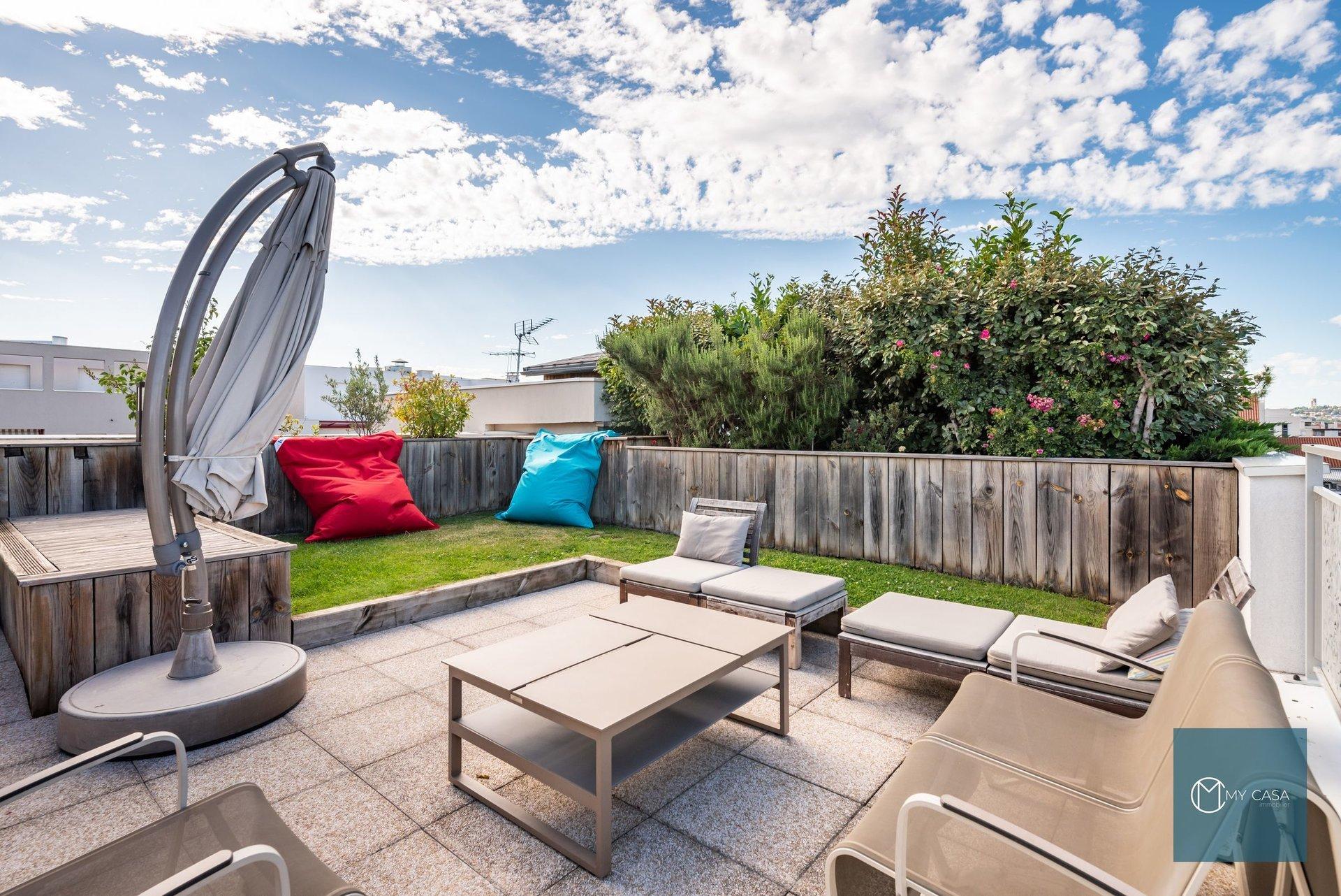 REPUBLIQUE - Maison sur toit - DUPLEX 89 m2 - Balcon / Terrasses