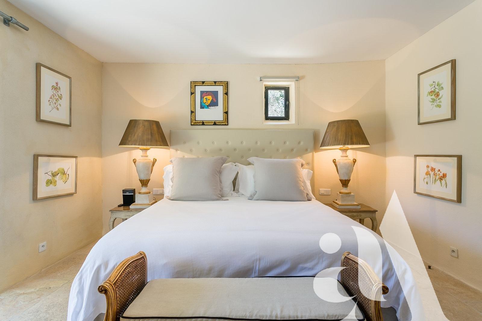 LE MAS DU GRENACHE - OPPEDES -LUBERON- 6 bedrooms- 12 people