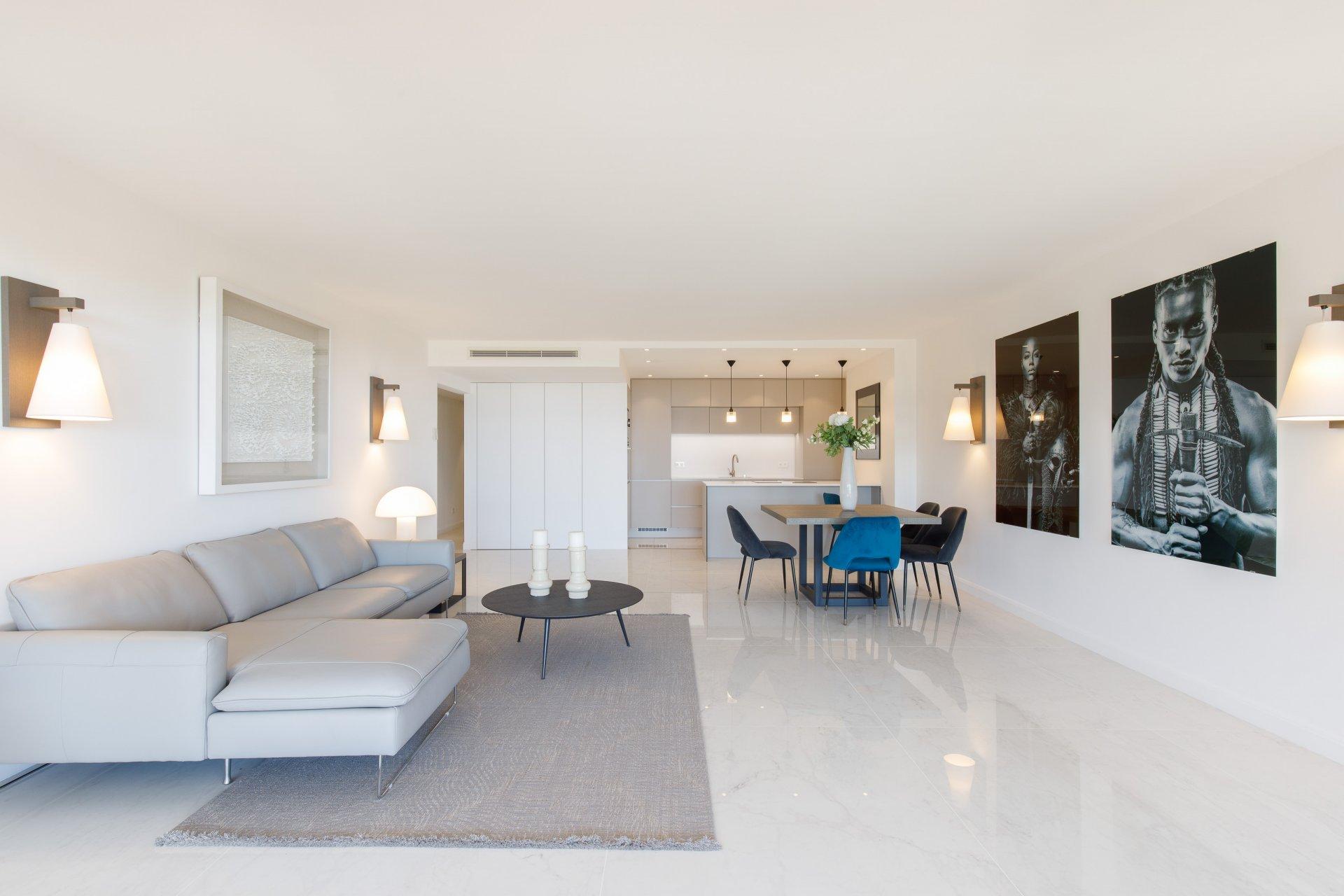 Cannes Basse Californie 4P rénové 113 m2 vue mer
