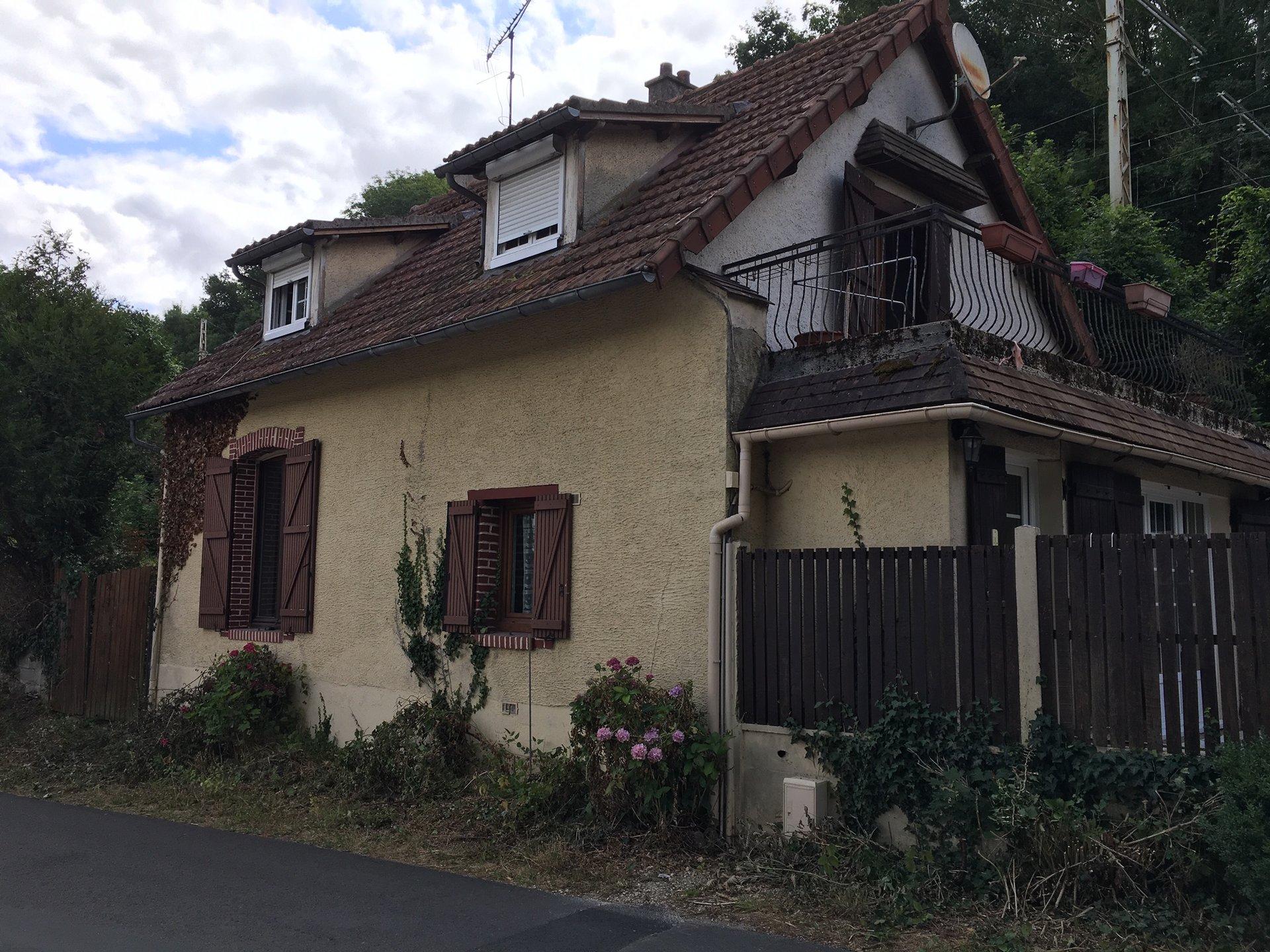Maison rénovée à Jouy