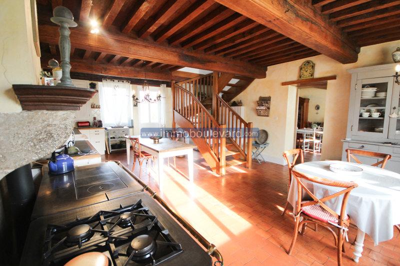 Superb farmhouse for sale near Cussy en Morvan, Bourgogne