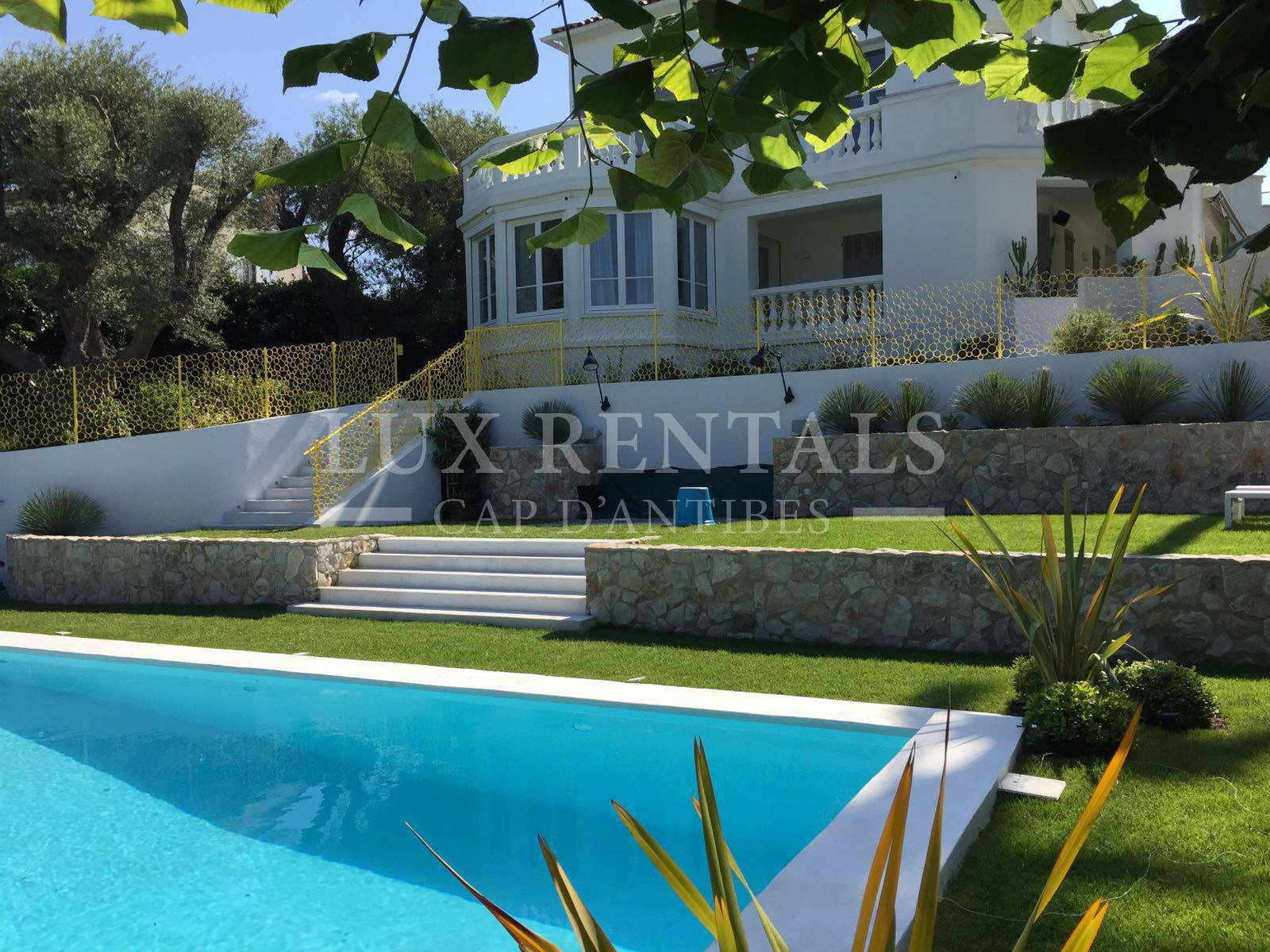 Thumbnail 2 Seasonal rental Villa - Cap d'Antibes
