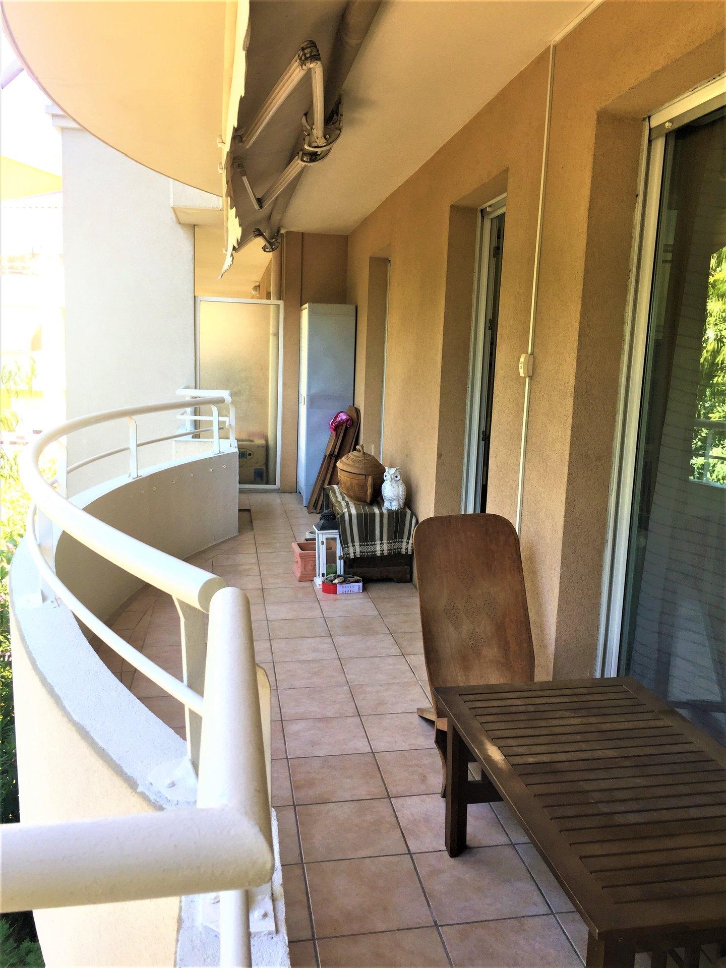Cannes La Bocca appartement 2P 48m2 dans résidence avec piscine