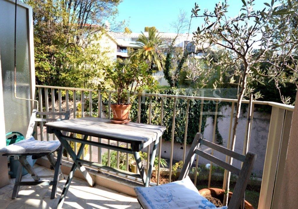Продажа Квартира - Жюан-ле-Пен (Juan-les-Pins) Antibes-les-Pins
