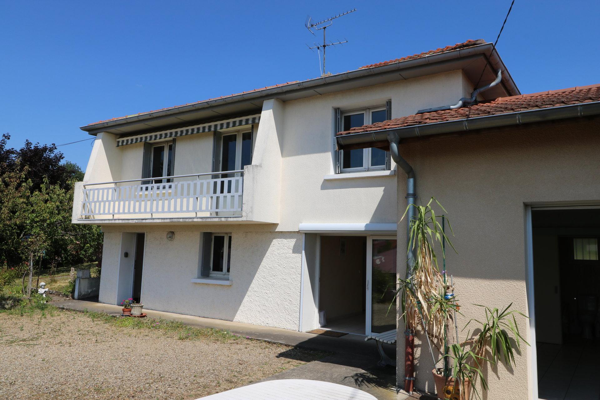 maison 5 pièces sur 660 m² de terrain