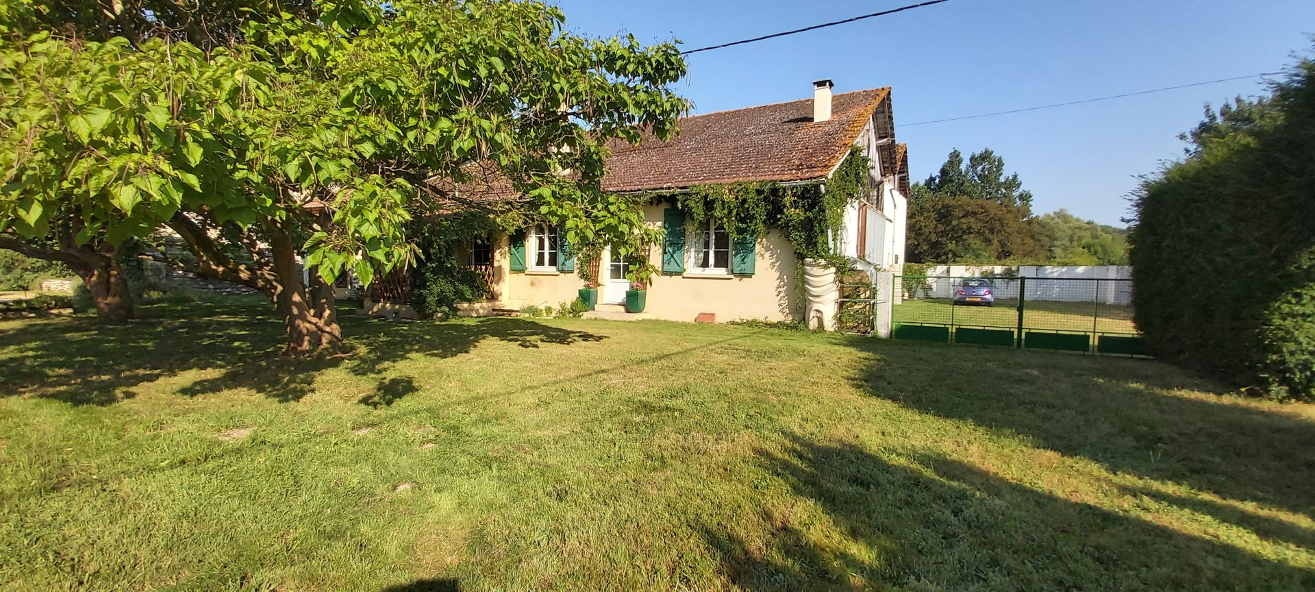 Farm cottage with attached double barn set  in 10 acres of flat land